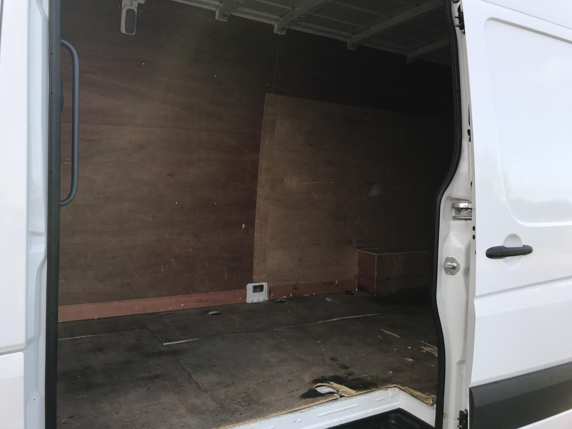 2015 Volkswagen Crafter CR35 LWB 2.0 136PS HIGH ROOF EURO 5 (GF65SXN) Image 17