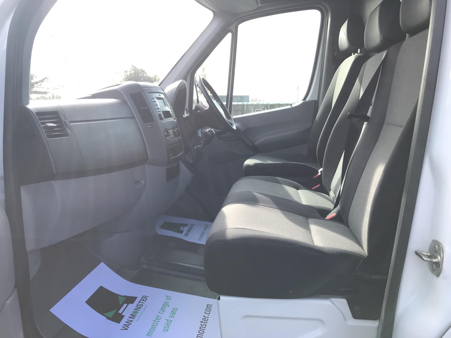 2015 Volkswagen Crafter CR35 LWB 2.0 136PS HIGH ROOF EURO 5 (GF65SXN) Image 14