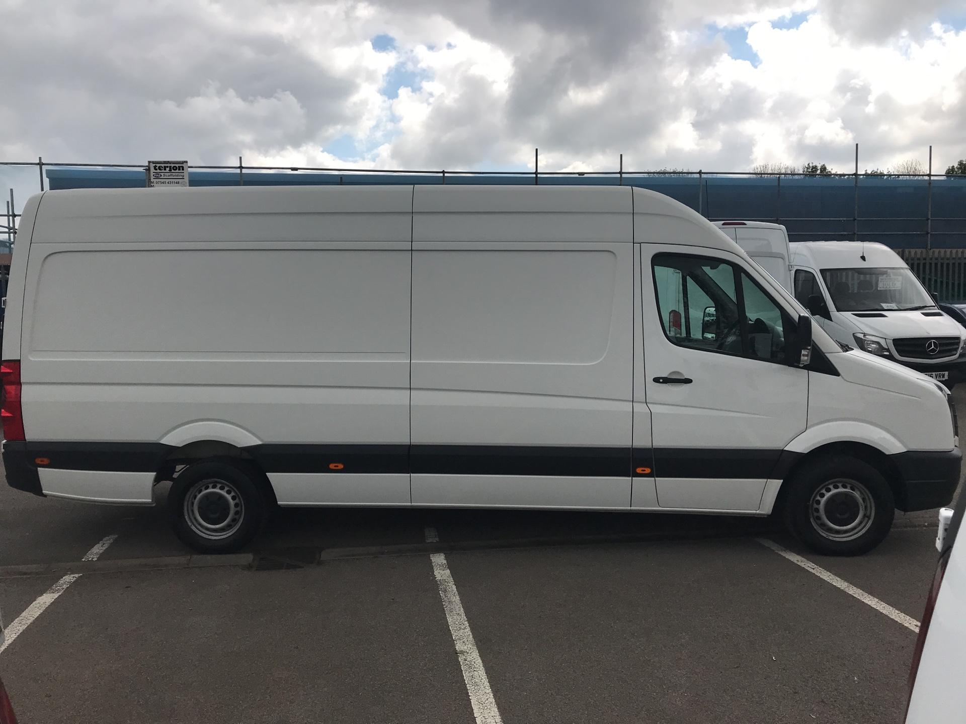 2015 Volkswagen Crafter CR35 LWB 2.0 TDI 136PS HIGH ROOF EURO 5 (GF65YPW) Image 2
