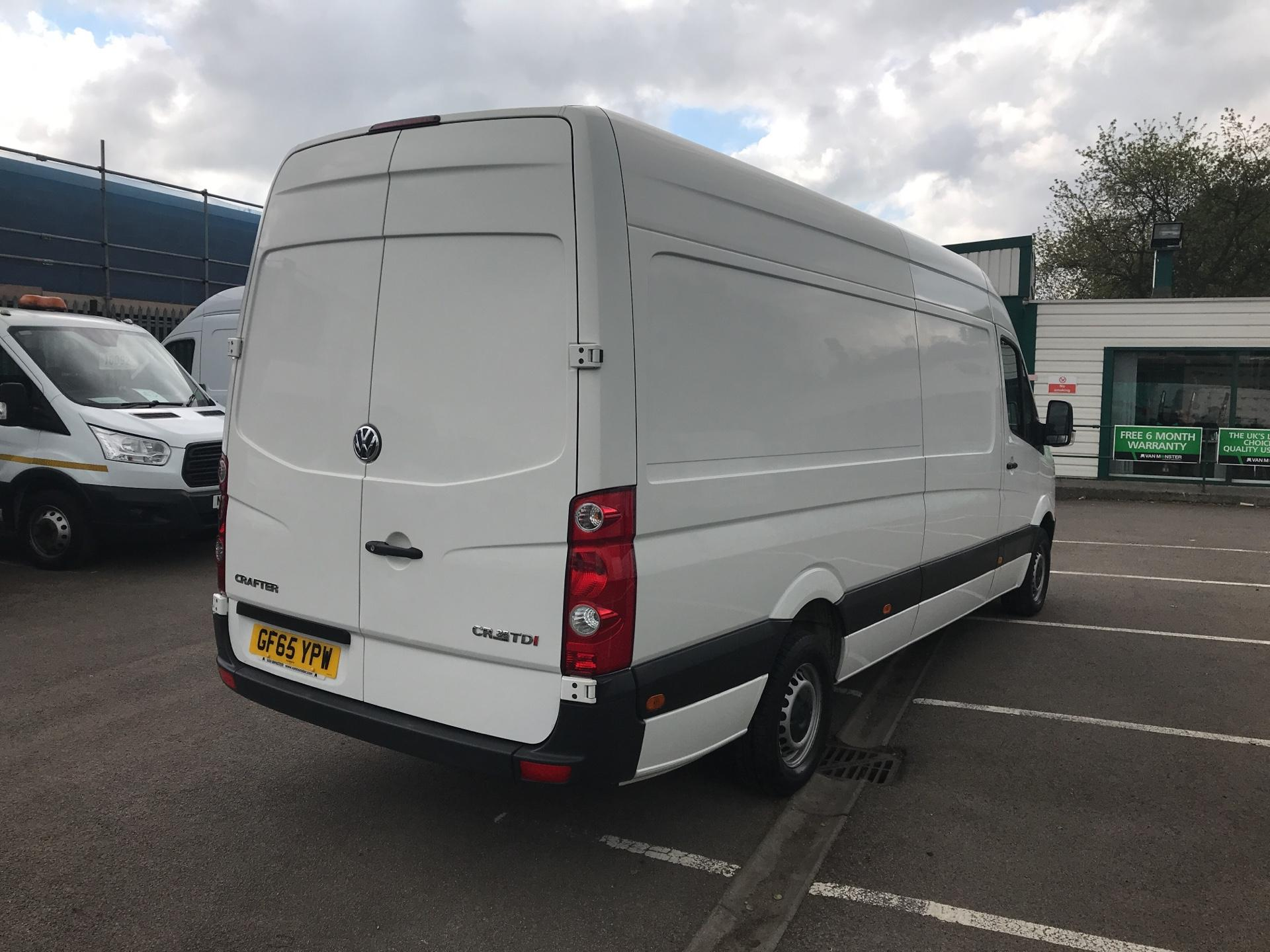 2015 Volkswagen Crafter CR35 LWB 2.0 TDI 136PS HIGH ROOF EURO 5 (GF65YPW) Image 3