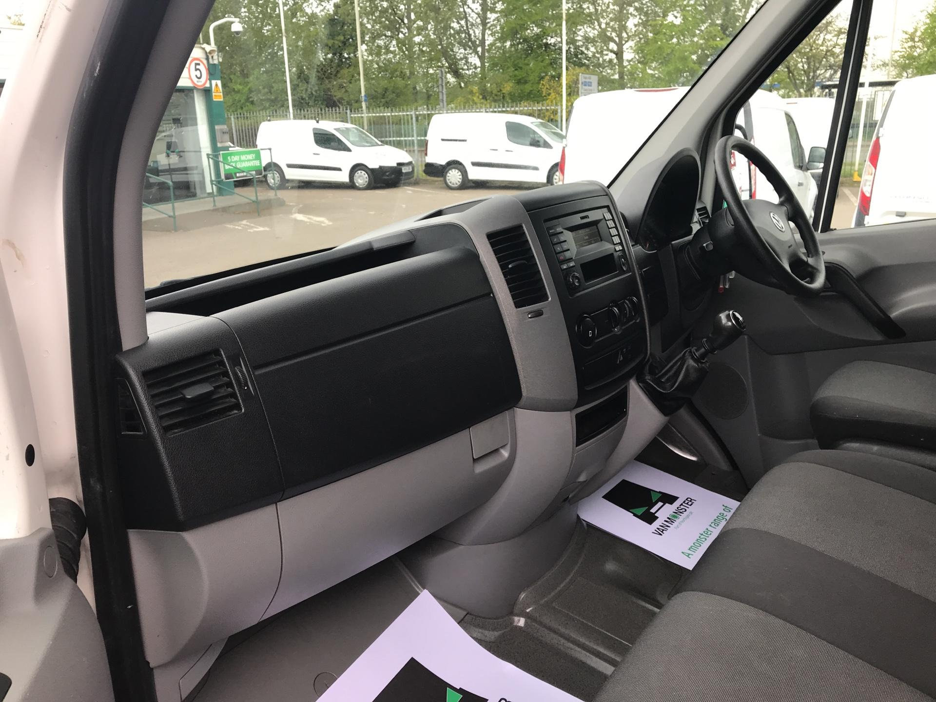 2015 Volkswagen Crafter CR35 LWB 2.0 TDI 136PS HIGH ROOF EURO 5 (GF65YPW) Image 14