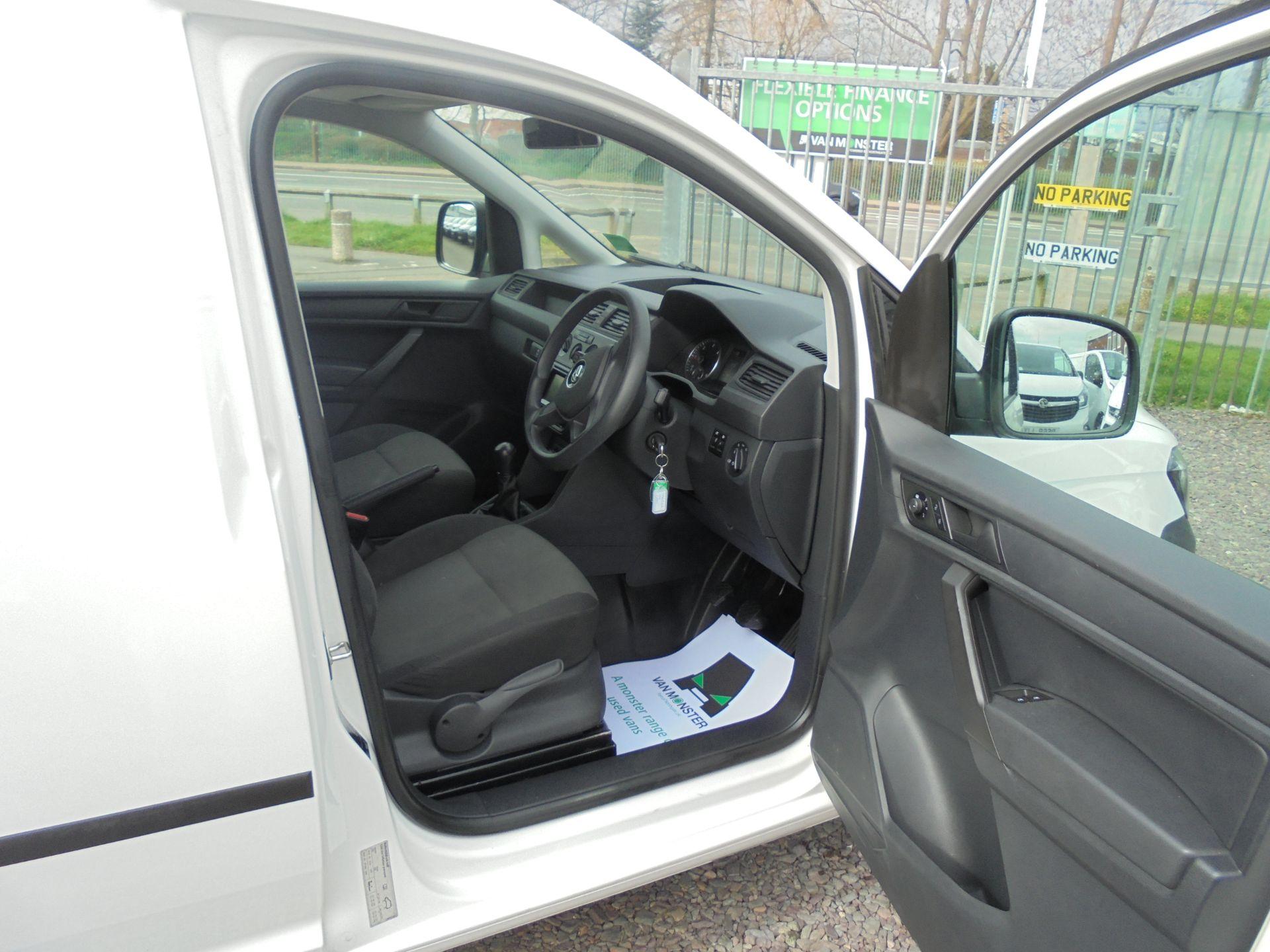 2016 Volkswagen Caddy 1.6 TDI BLUEMOTION TECH 75PS EURO 5 (GF66BZK) Image 11
