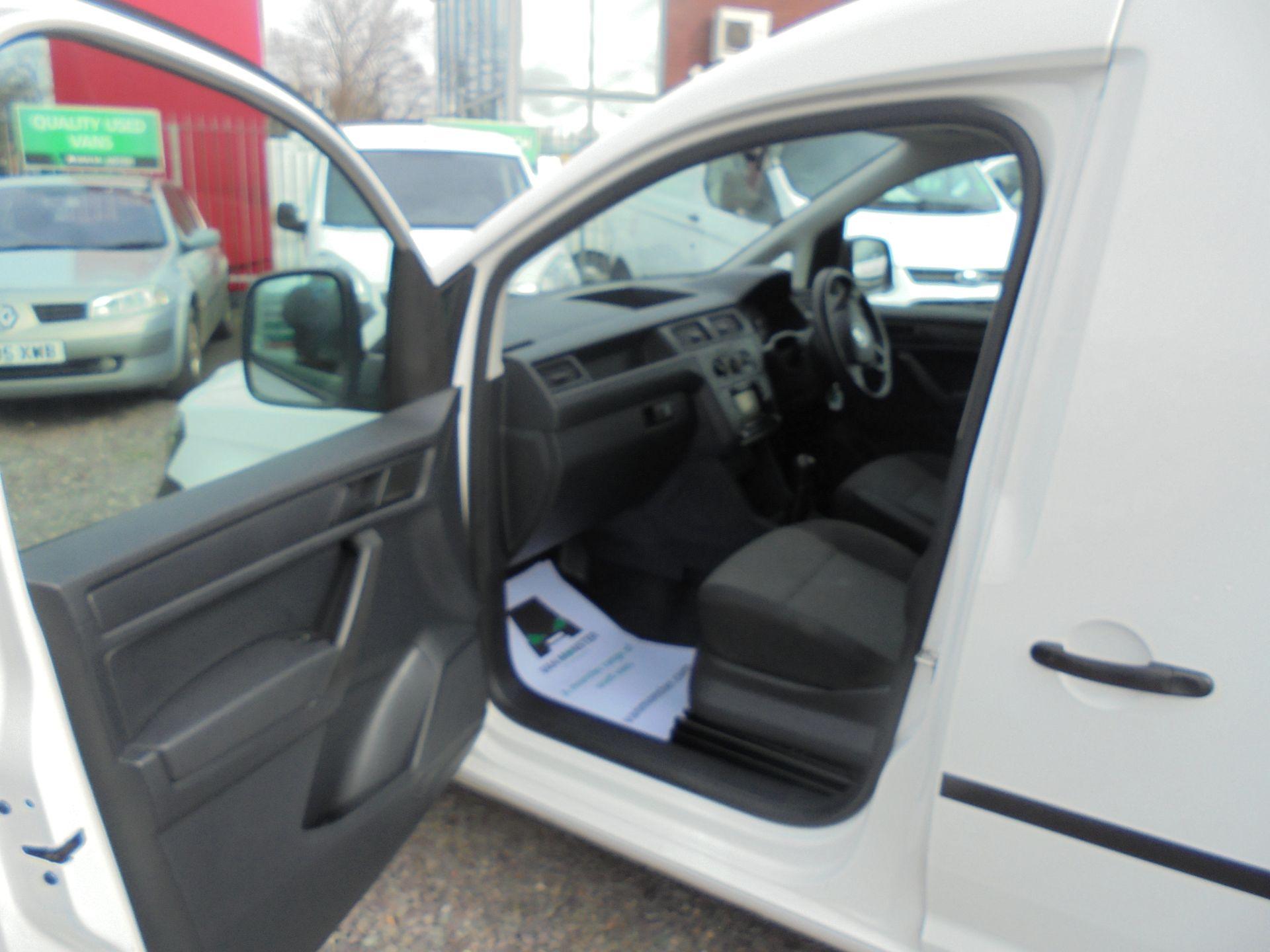 2016 Volkswagen Caddy 1.6 TDI BLUEMOTION TECH 75PS EURO 5 (GF66BZK) Image 12