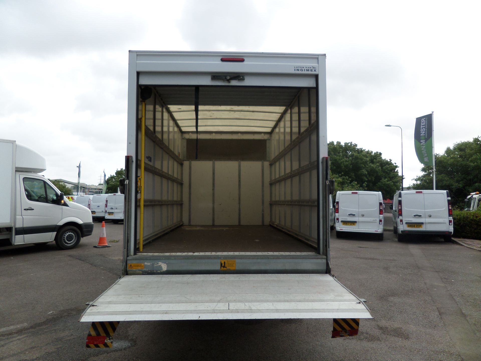 2016 Volkswagen Crafter 2.0 Tdi 136Ps Luton Tail lift (GF66CGK) Image 5
