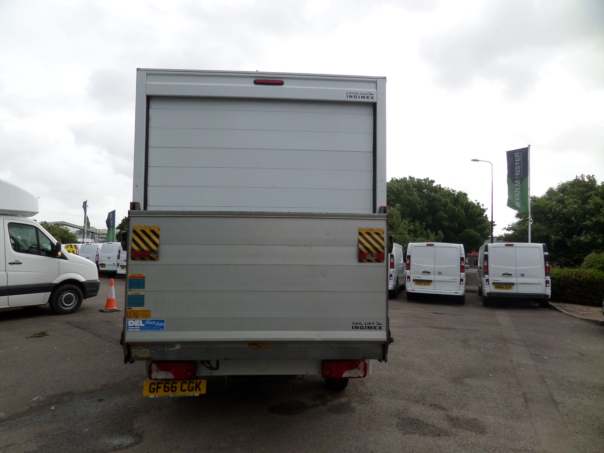 2016 Volkswagen Crafter 2.0 Tdi 136Ps Luton Tail lift (GF66CGK) Image 3