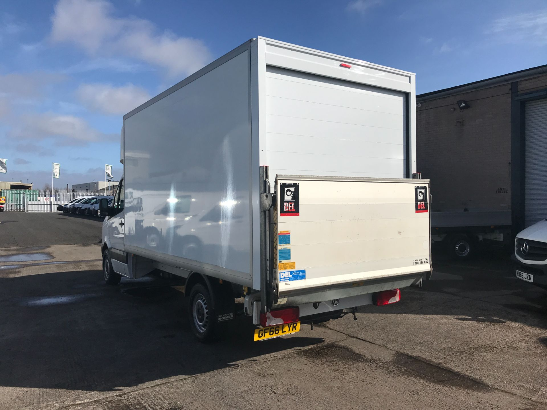 2016 Volkswagen Crafter CR35 13FT LUTON 136PS TAIL LIFT EURO 5 (GF66LYR) Image 6