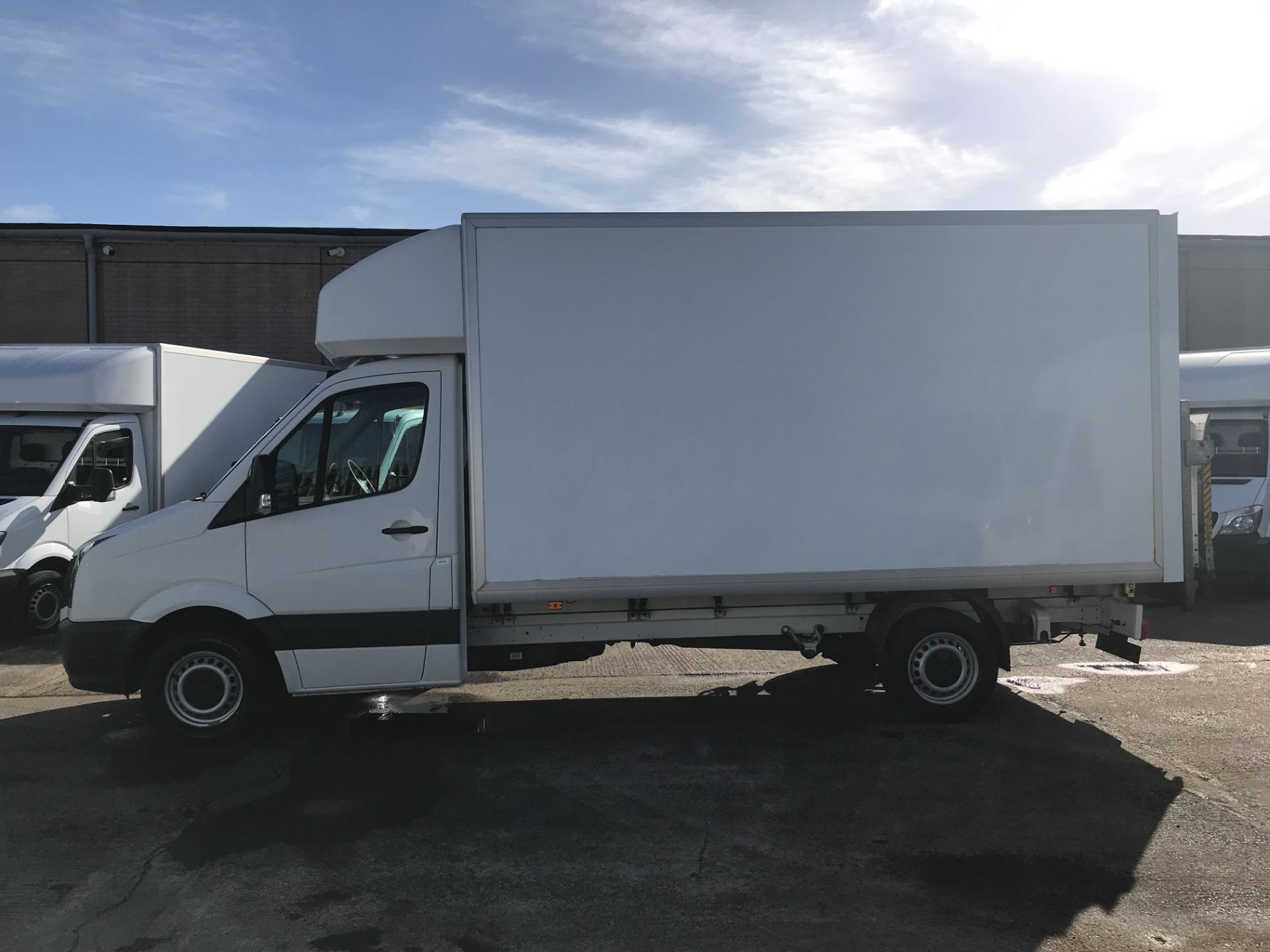 2016 Volkswagen Crafter CR35 13FT LUTON 136PS TAIL LIFT EURO 5 (GF66LYR) Image 5
