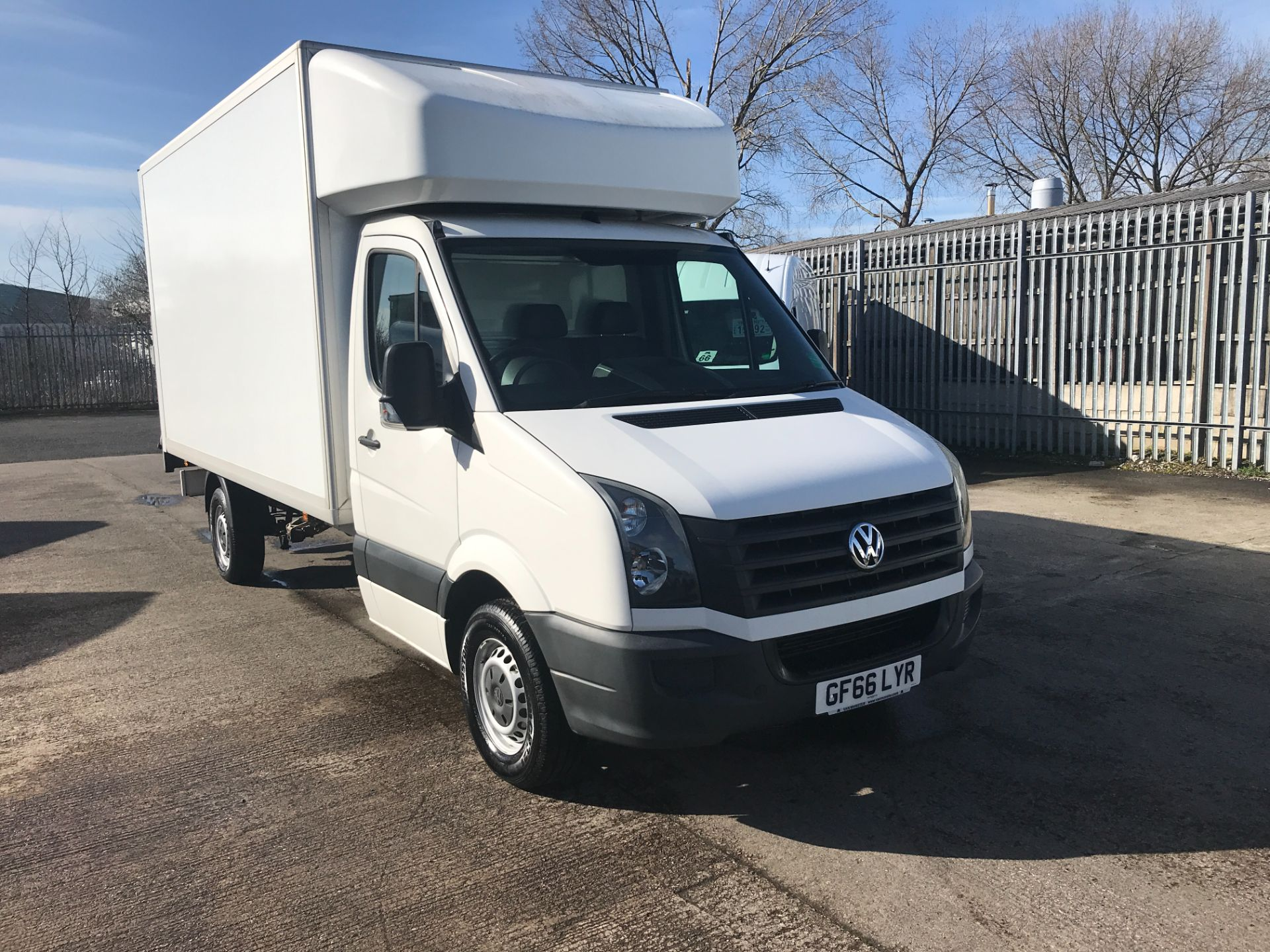 2016 Volkswagen Crafter CR35 13FT LUTON 136PS TAIL LIFT EURO 5 (GF66LYR)