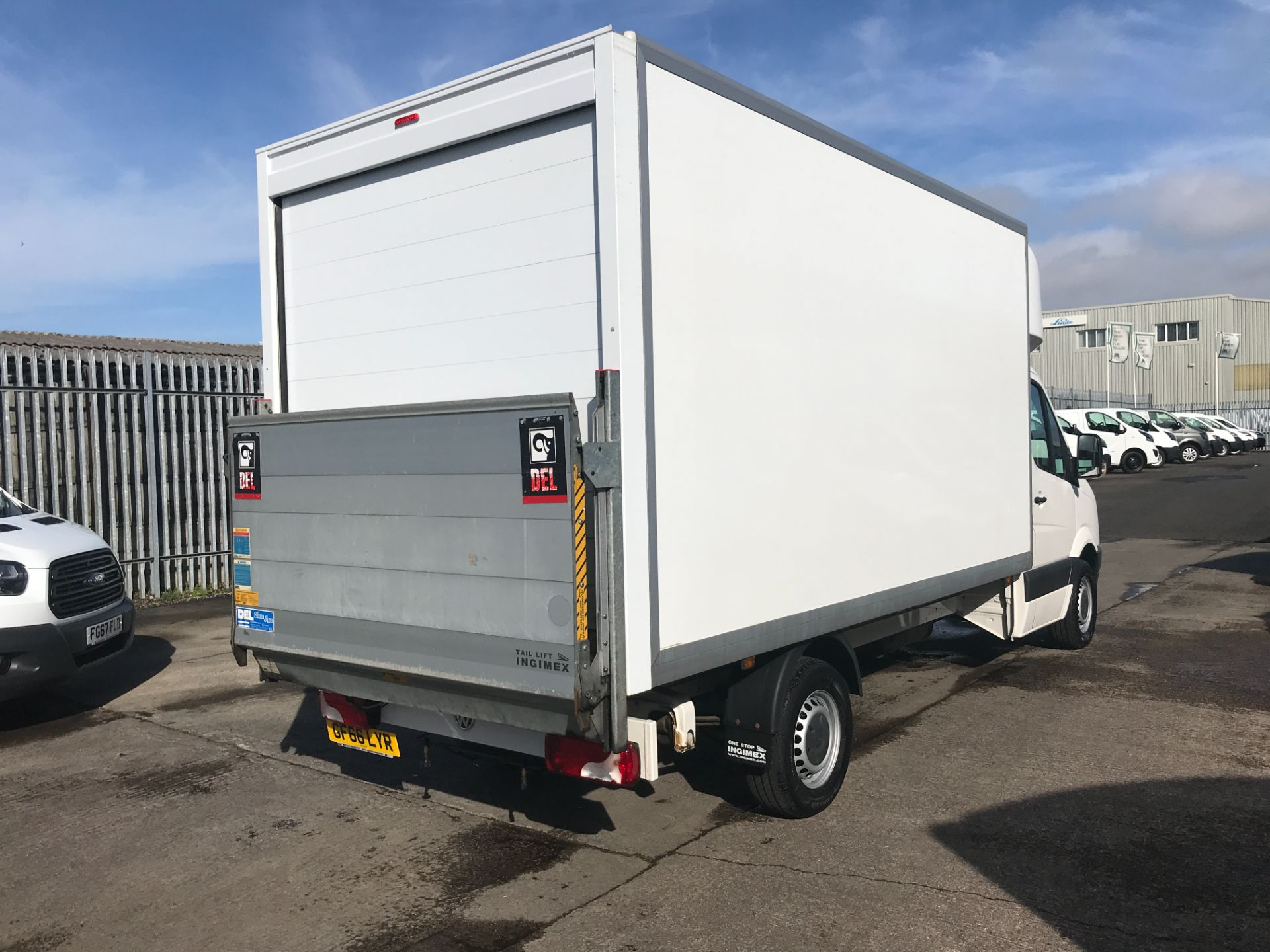 2016 Volkswagen Crafter CR35 13FT LUTON 136PS TAIL LIFT EURO 5 (GF66LYR) Image 12