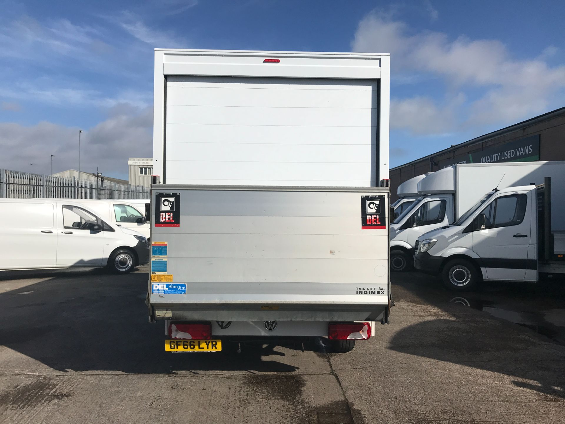 2016 Volkswagen Crafter CR35 13FT LUTON 136PS TAIL LIFT EURO 5 (GF66LYR) Image 7