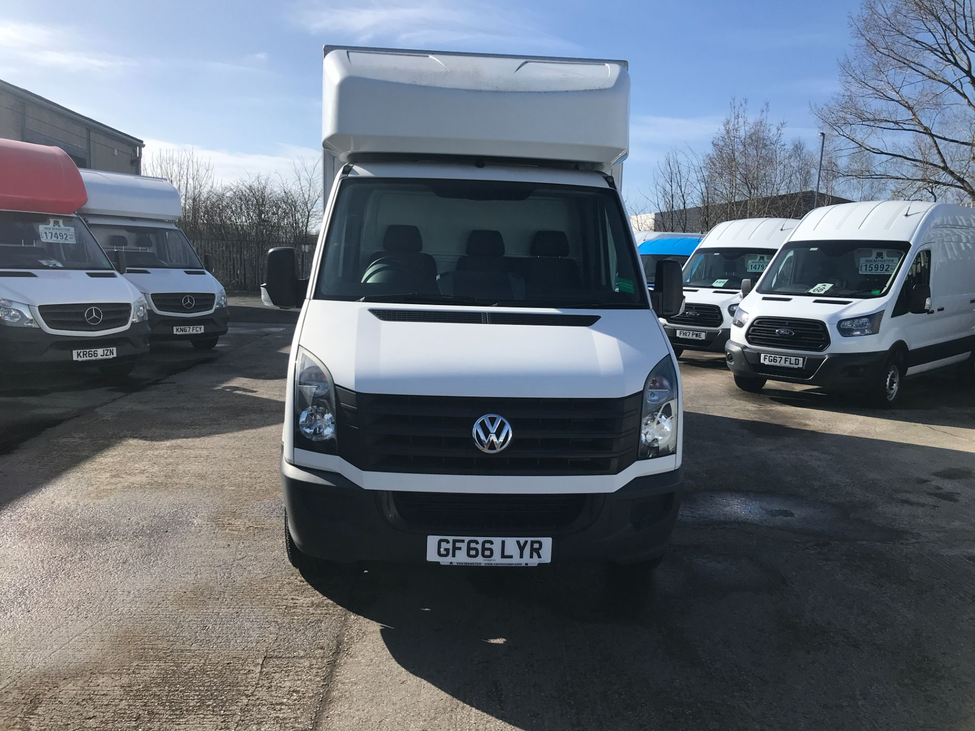 2016 Volkswagen Crafter CR35 13FT LUTON 136PS TAIL LIFT EURO 5 (GF66LYR) Image 2