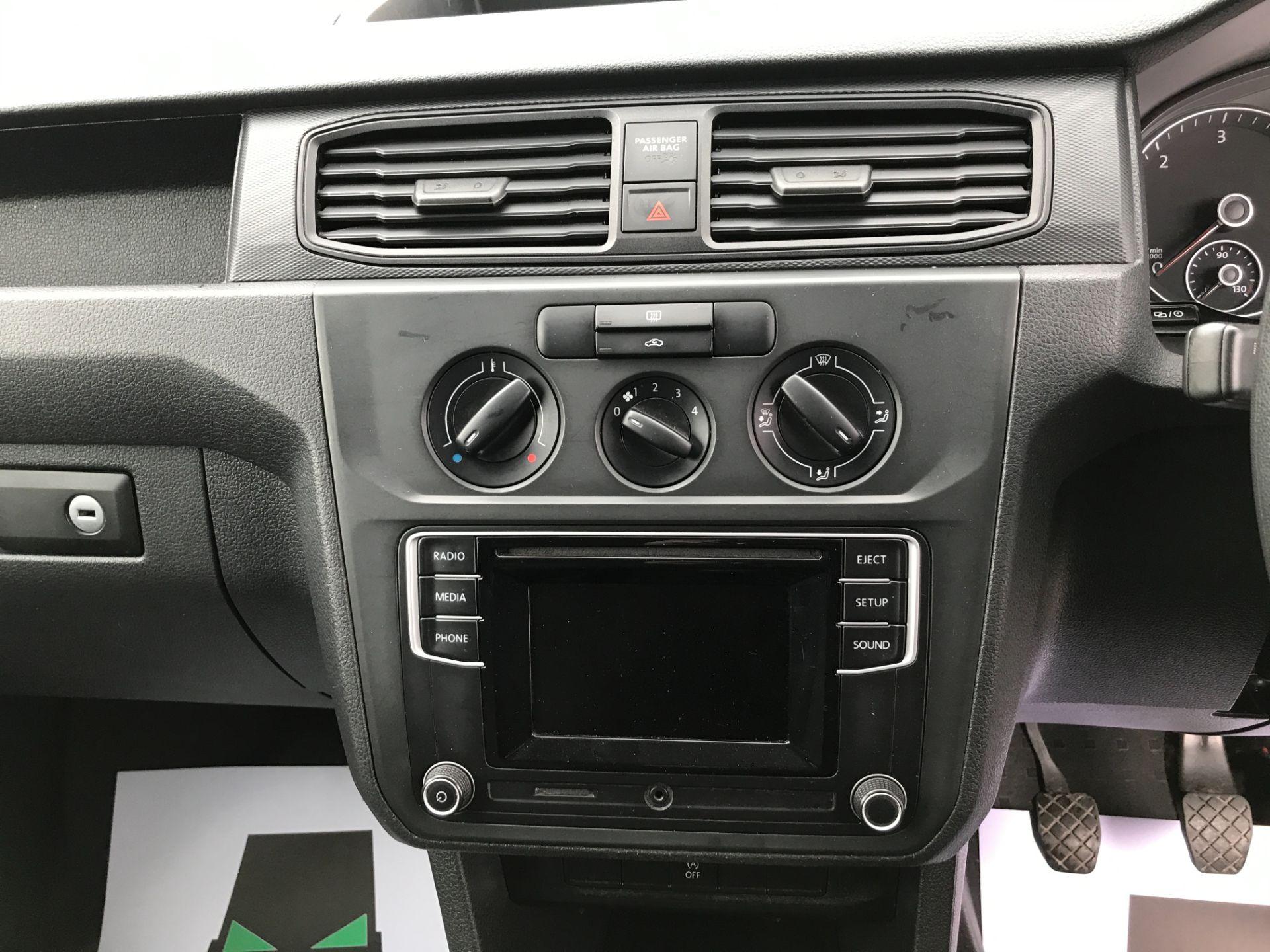 2016 Volkswagen Caddy 2.0TDI BLUEMOTION TECH 75PS STARTLINE EURO 6 (GF66MDE) Image 19