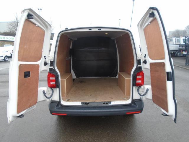 2016 Volkswagen Transporter T28 SWB DIESEL 2.0 TDI BMT 102 STARTLINE VAN EURO 6 (GF66MHA) Image 10