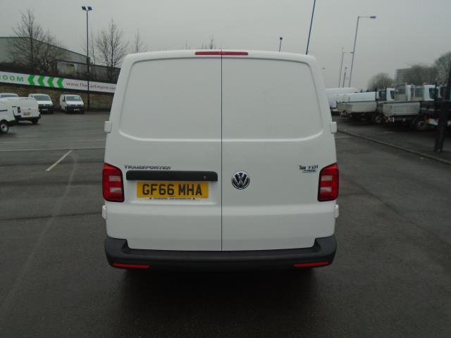 2016 Volkswagen Transporter T28 SWB DIESEL 2.0 TDI BMT 102 STARTLINE VAN EURO 6 (GF66MHA) Image 8
