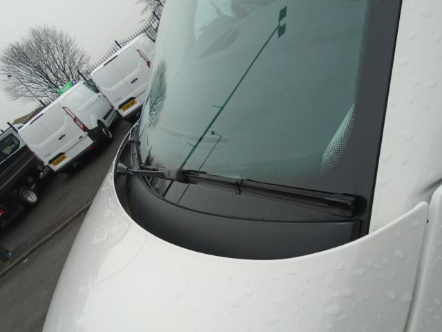 2016 Volkswagen Transporter T28 SWB DIESEL 2.0 TDI BMT 102 STARTLINE VAN EURO 6 (GF66MHA) Image 16