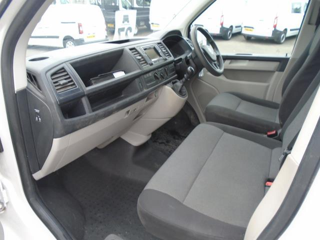2016 Volkswagen Transporter T28 SWB DIESEL 2.0 TDI BMT 102 STARTLINE VAN EURO 5 (GF66PKO) Image 14