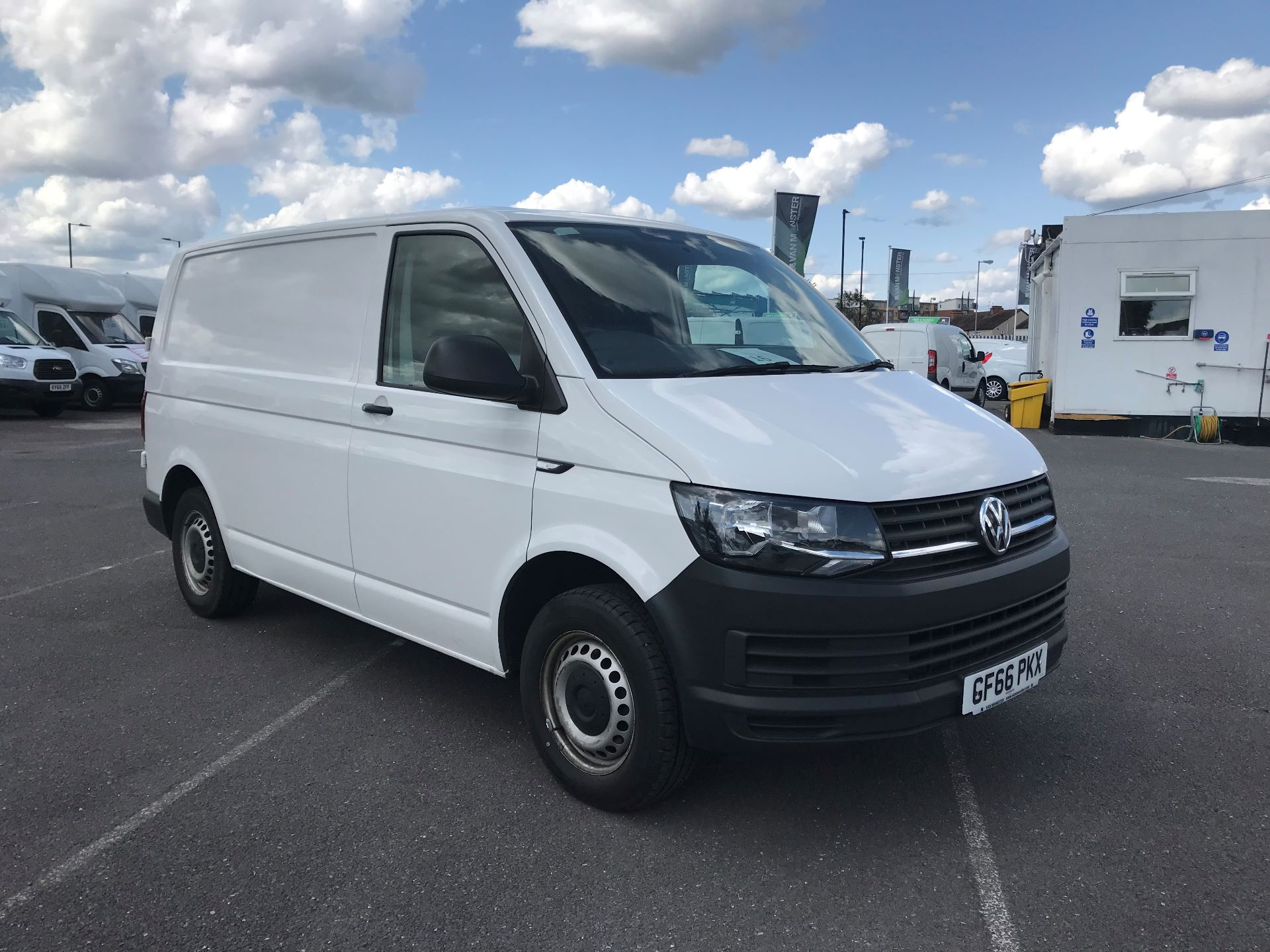 2016 Volkswagen Transporter  T28 SWB DIESEL 2.0 TDI BMT 102 STARTLINE VAN EURO 5 *CONDITION REFLECTED IN PRICE* (GF66PKX)