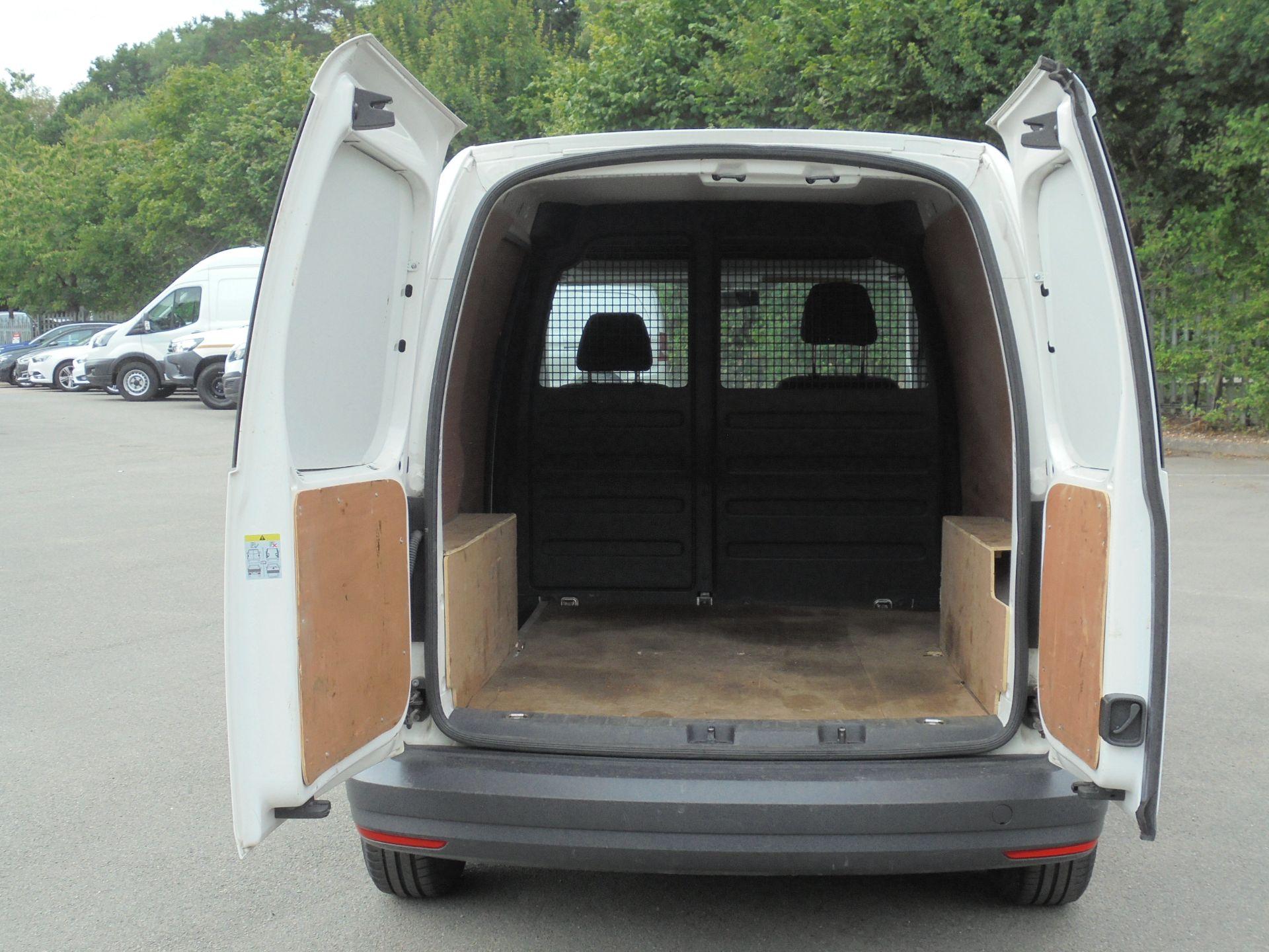 2016 Volkswagen Caddy 1.6 Tdi 102Ps Van (GF66TFZ) Image 9