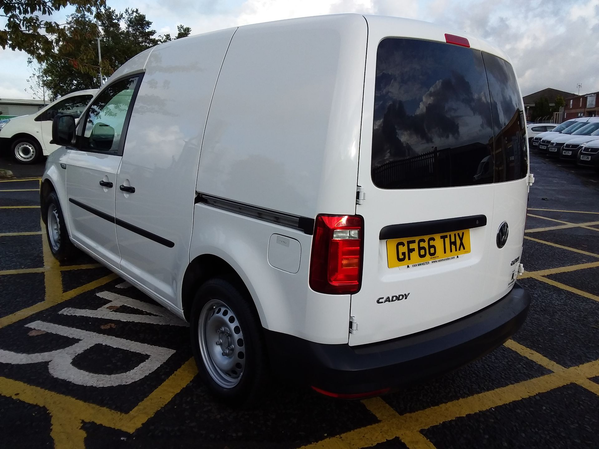 2016 Volkswagen Caddy 1.6 Tdi 102Ps Van (GF66THX) Image 5