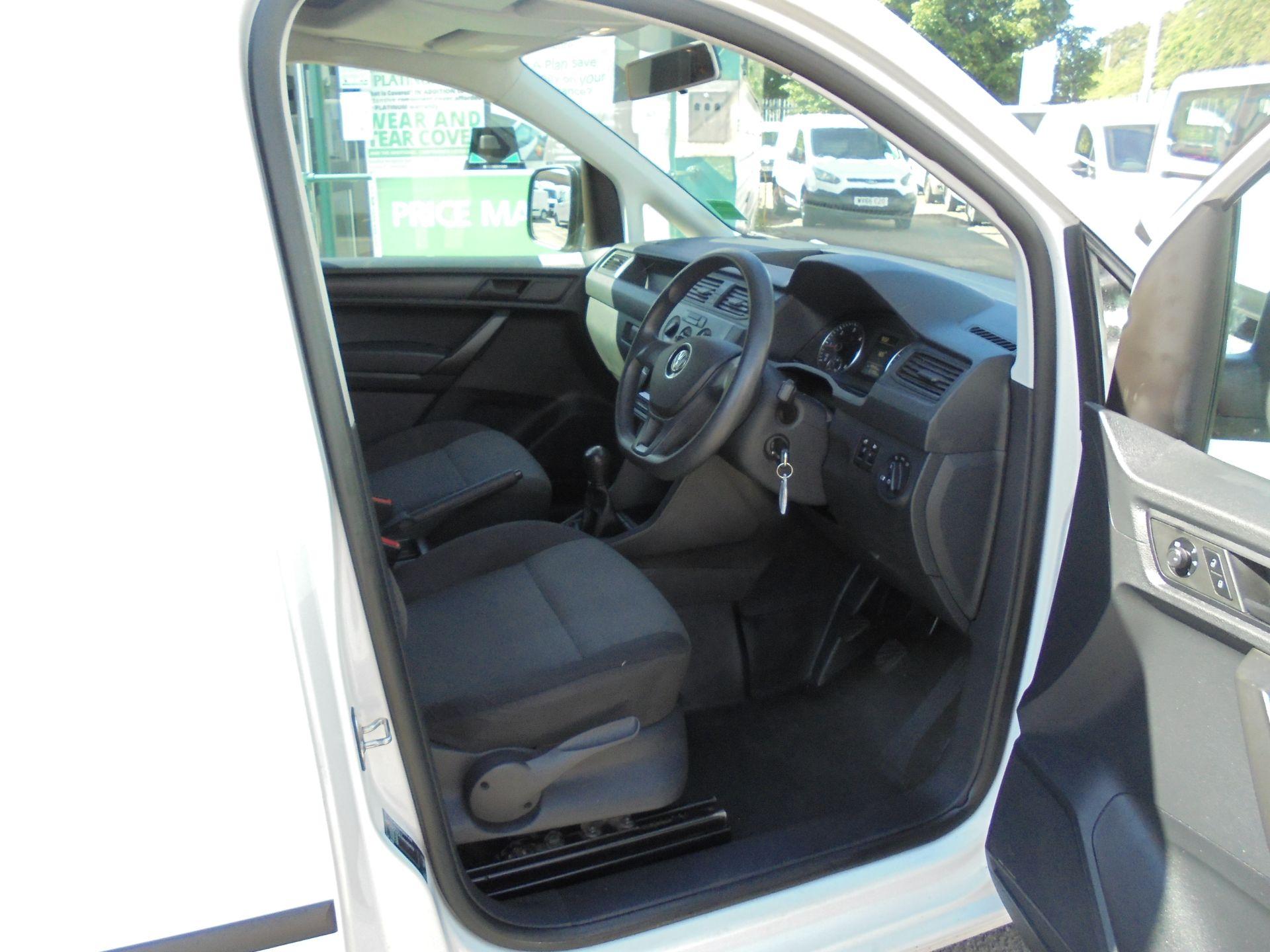 2016 Volkswagen Caddy 1.6 75PS STARTLINE EURO 5 (GF66TJX) Image 11