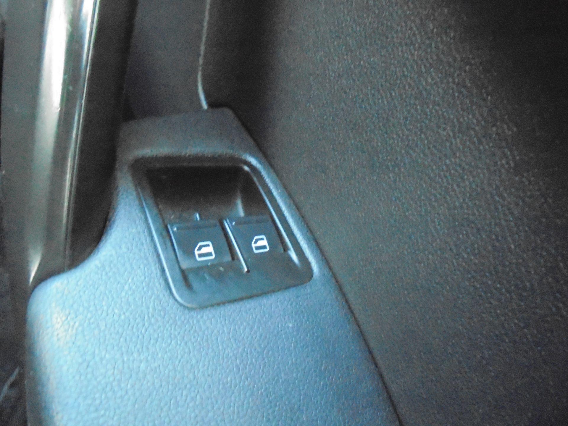 2016 Volkswagen Caddy 1.6 75PS STARTLINE EURO 5 (GF66TJX) Image 17