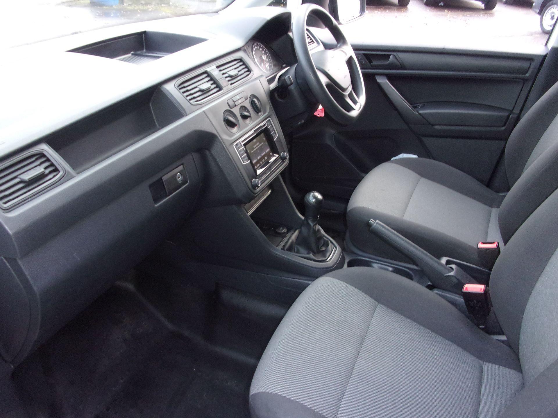 2016 Volkswagen Caddy 1.6 TDI 102PS STARTLINE EURO 5 (GF66UAL) Image 12