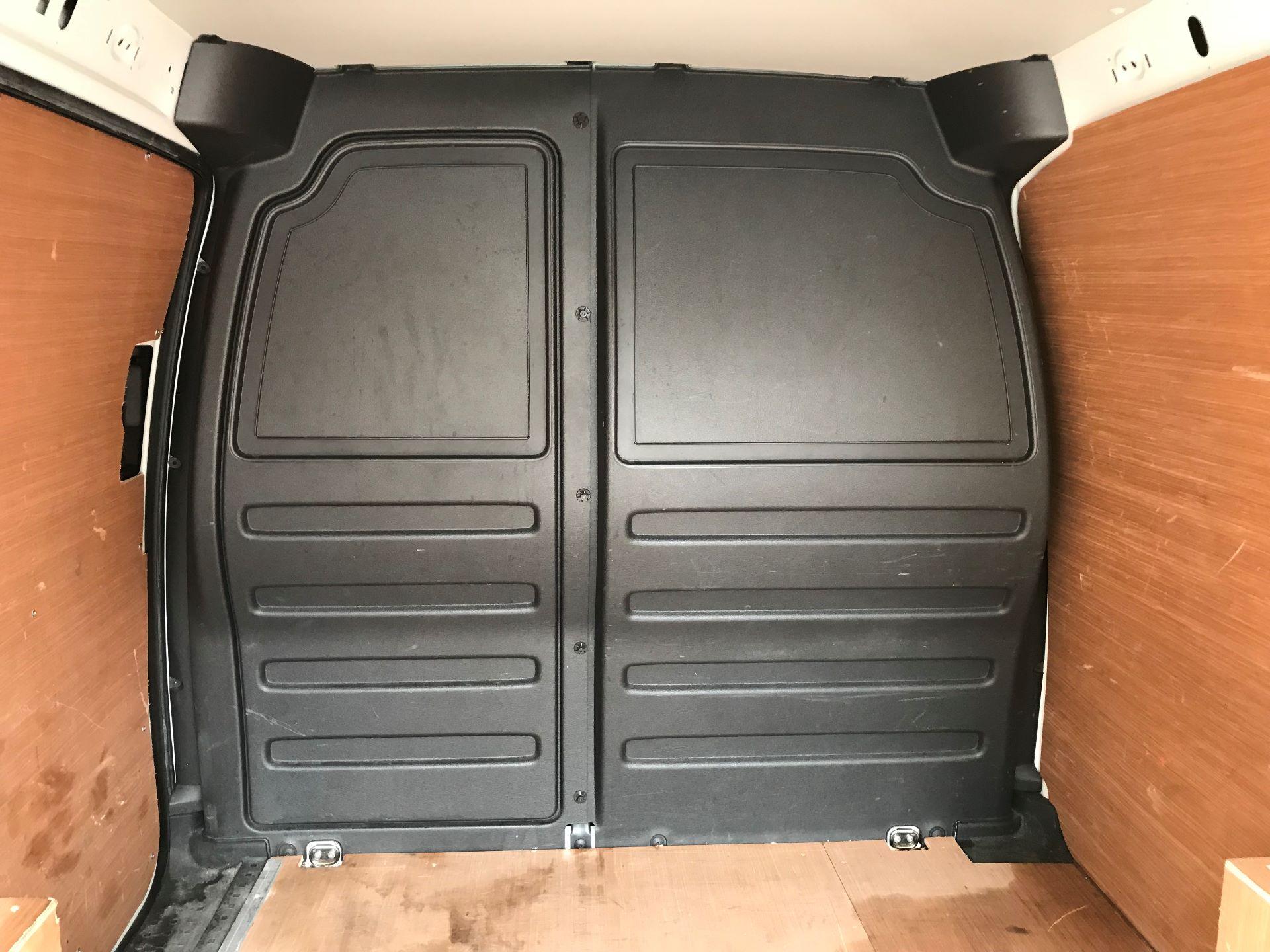 2016 Volkswagen Caddy 1.6 Tdi 75Ps Startline Van euro 5  (GF66UDM) Image 9