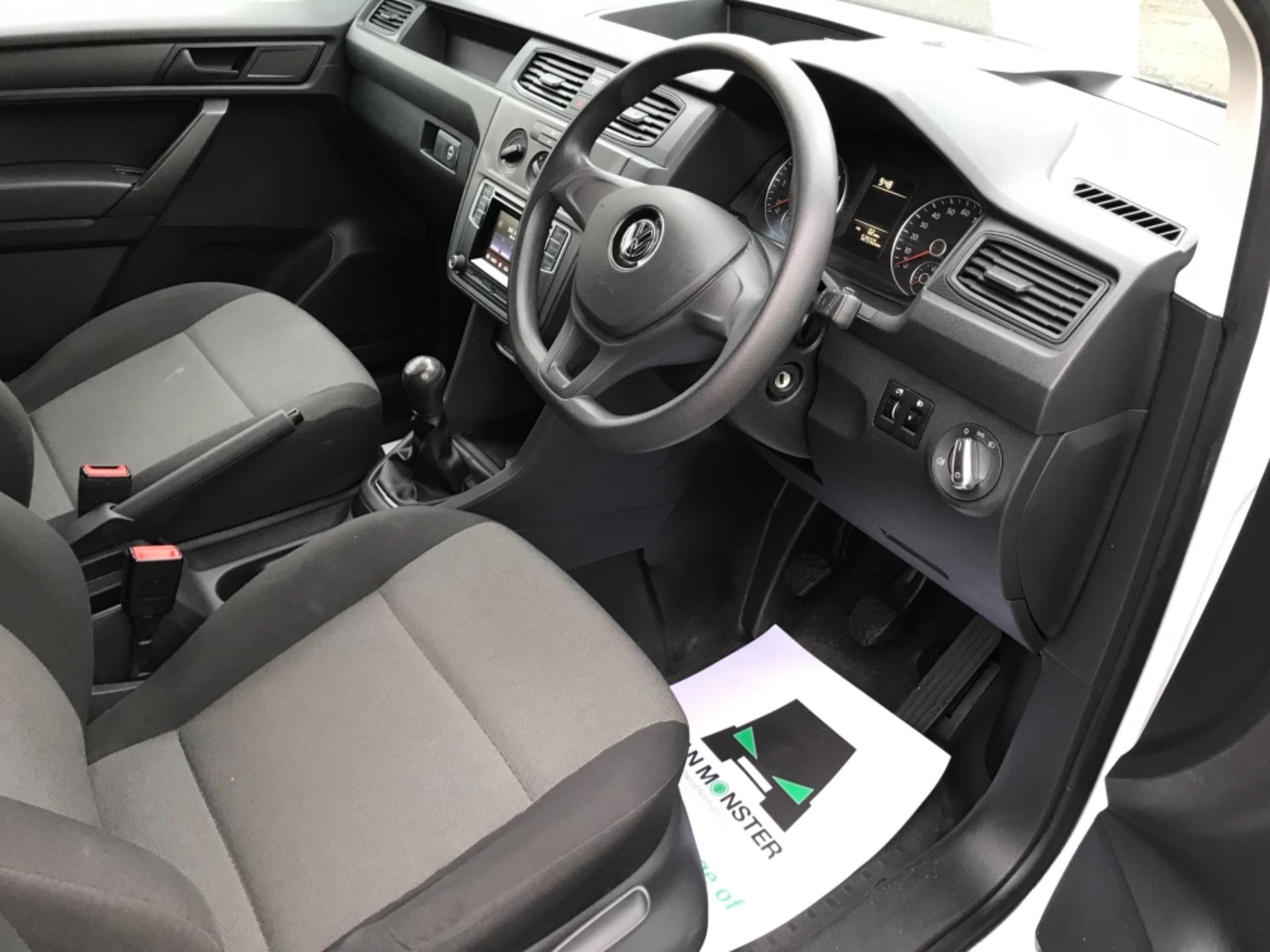 2016 Volkswagen Caddy 2.0TDI BLUEMOTION TECH 75PS STARTLINE EURO 6 (GF66UDV) Image 9