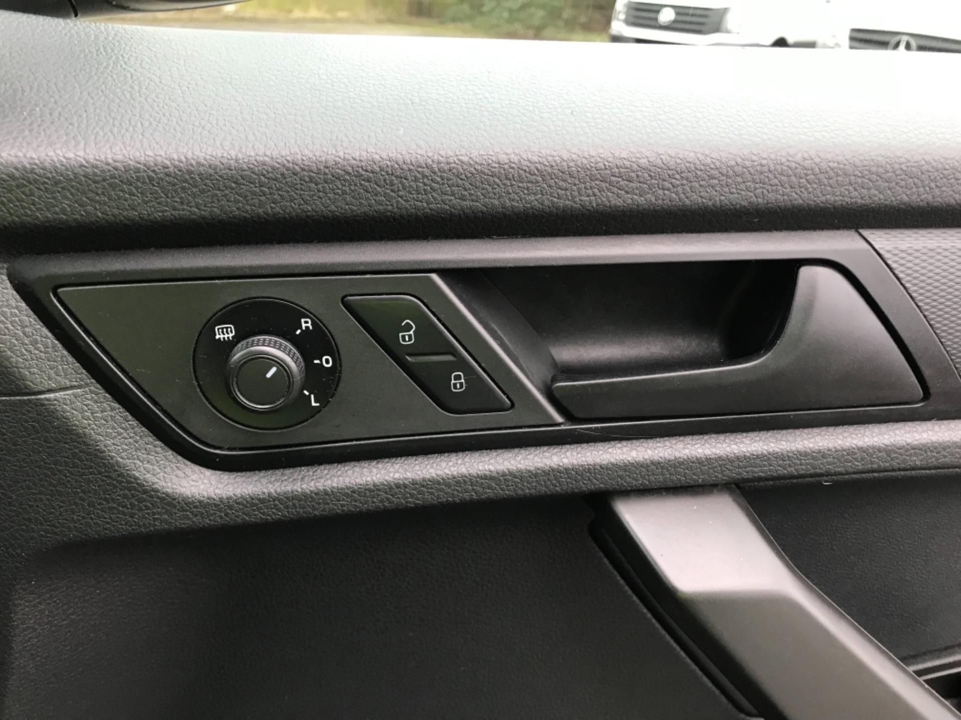 2016 Volkswagen Caddy 2.0TDI BLUEMOTION TECH 75PS STARTLINE EURO 6 (GF66UDV) Image 19