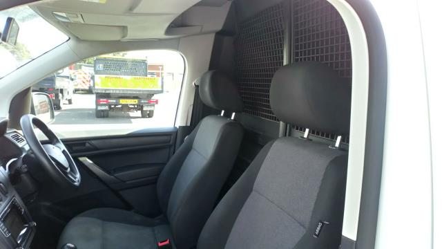 2016 Volkswagen Caddy 1.6 Tdi Bluemotion Tech 75Ps Van (GF66UZT) Image 13