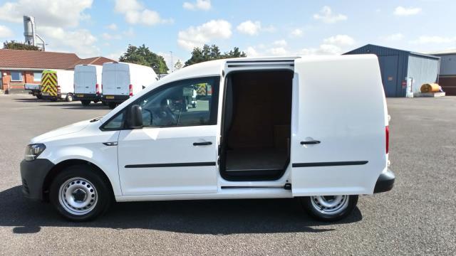 2016 Volkswagen Caddy 1.6 Tdi Bluemotion Tech 75Ps Van (GF66UZT) Image 9