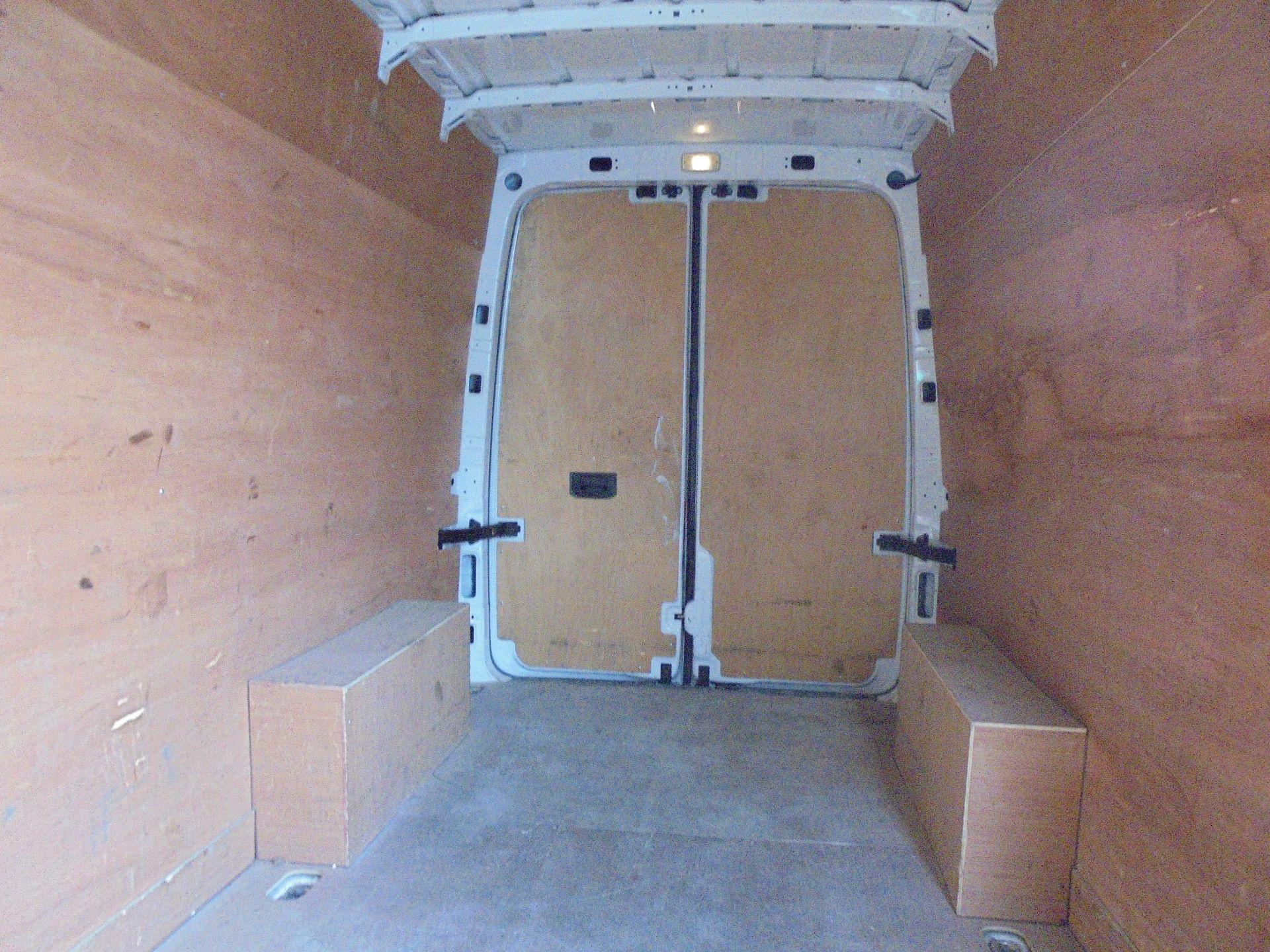 2017 Volkswagen Crafter 2.0 Tdi 140Ps Startline High Roof Van (GF67HTO) Image 17