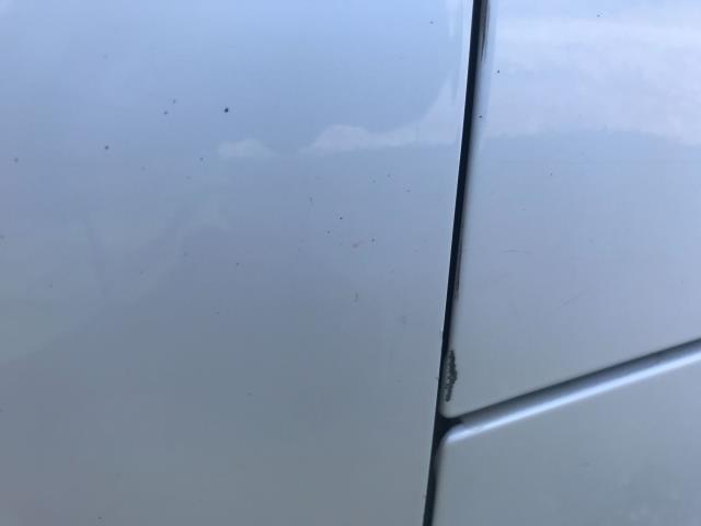 2017 Volkswagen Transporter  T28 SWB DIESEL 2.0 TDI BMT 102 STARTLINE VAN EURO 6  (GF67KUU) Image 28