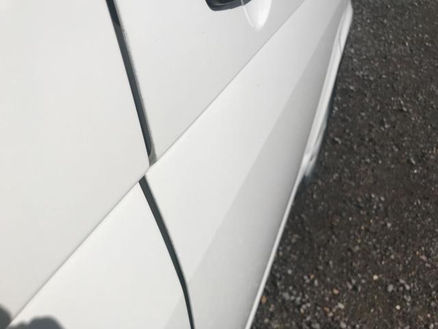 2017 Volkswagen Transporter  T28 SWB DIESEL 2.0 TDI BMT 102 STARTLINE VAN EURO 6  (GF67KUU) Image 39
