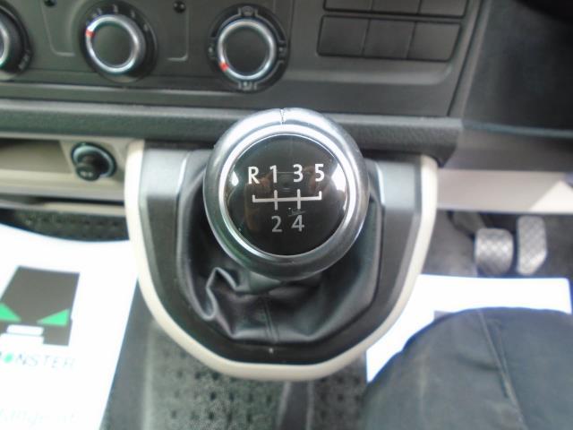 2017 Volkswagen Transporter 2.0 Tdi Bmt 102 Highline Van Euro 6 (GF67KWR) Image 38