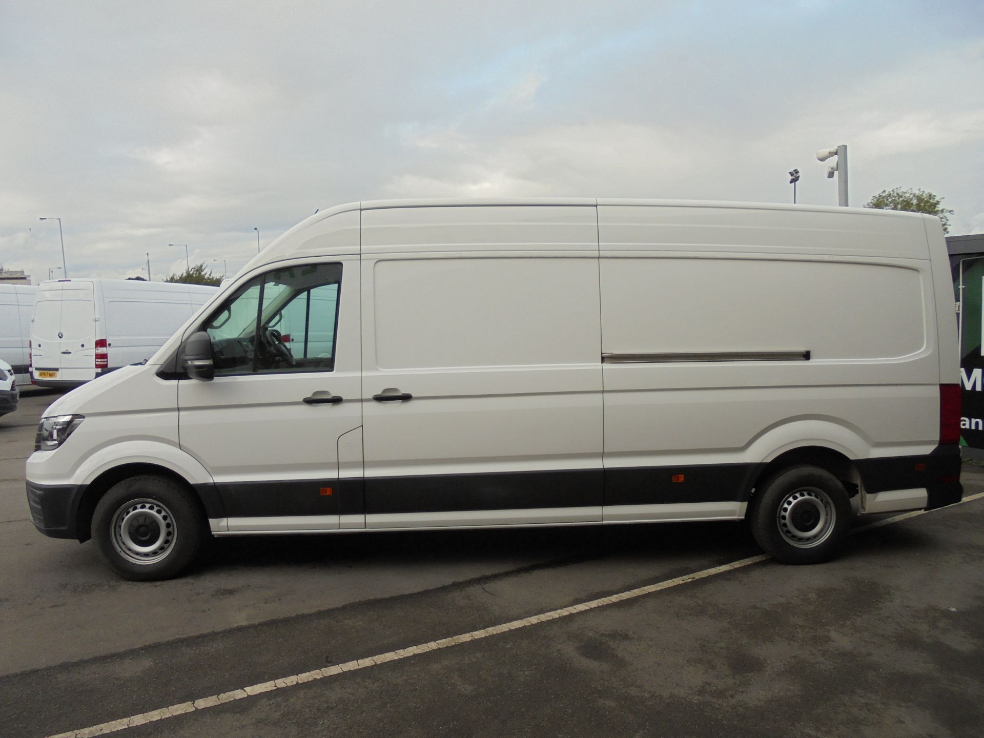 2017 Volkswagen Crafter 2.0 Tdi 140Ps Startline High Roof Van (GF67KXN) Thumbnail 4