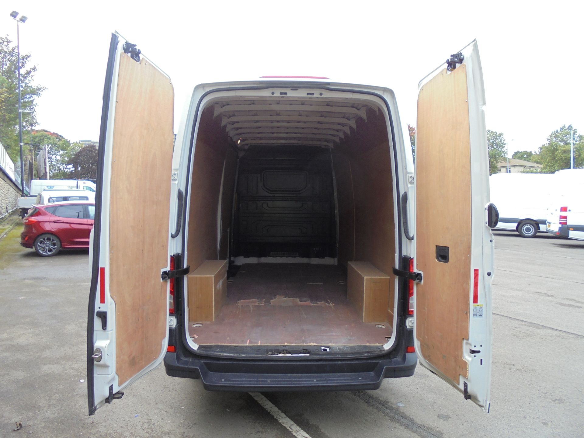 2017 Volkswagen Crafter 2.0 Tdi 140Ps Startline High Roof Van (GF67KXN) Thumbnail 21