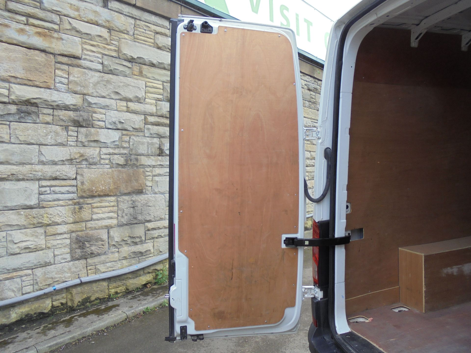 2017 Volkswagen Crafter 2.0 Tdi 140Ps Startline High Roof Van (GF67KXN) Thumbnail 23