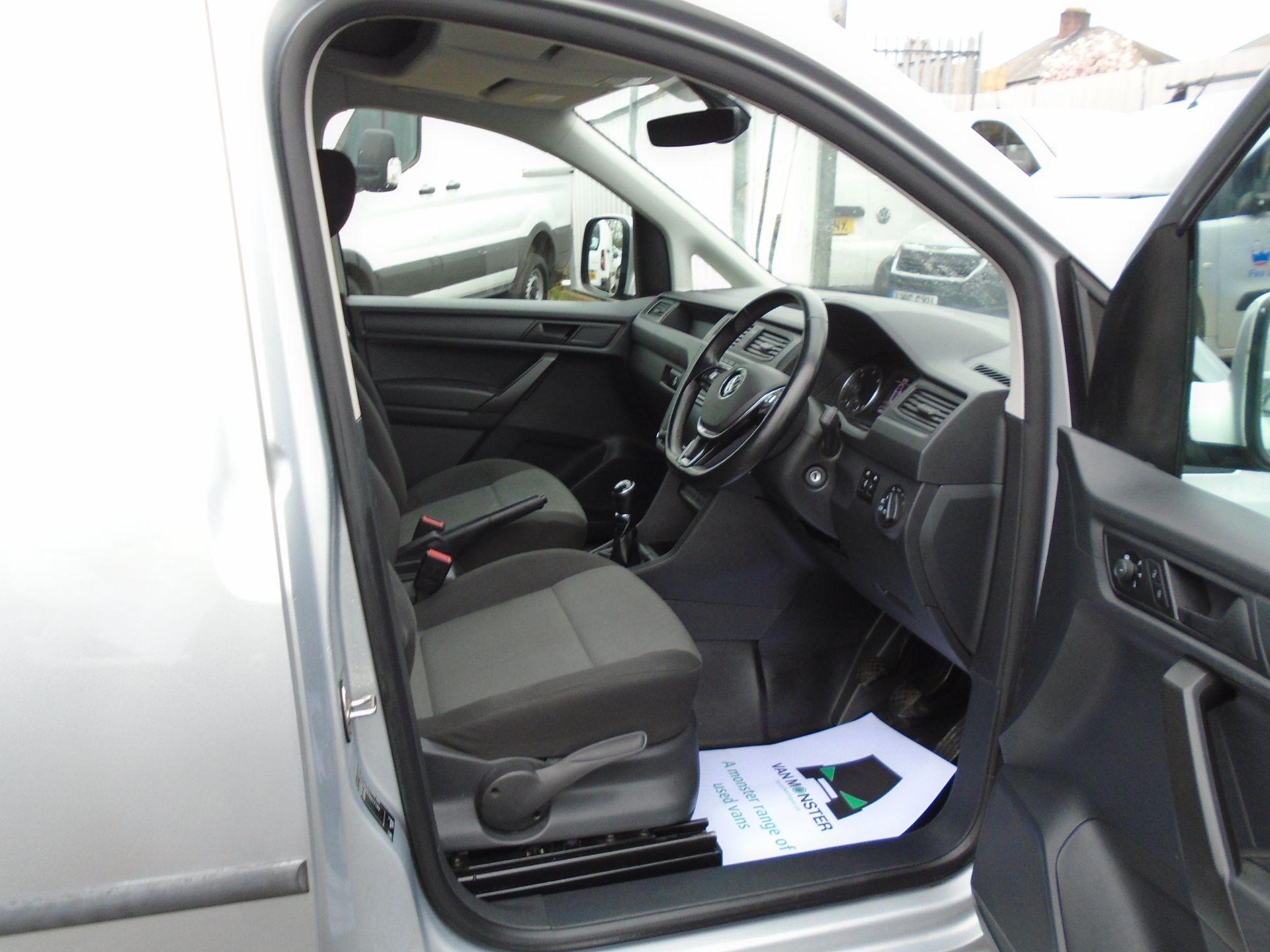 2017 Volkswagen Caddy 2.0 Tdi Bluemotion Tech 102Ps Highline Van (GF67NLA) Image 16