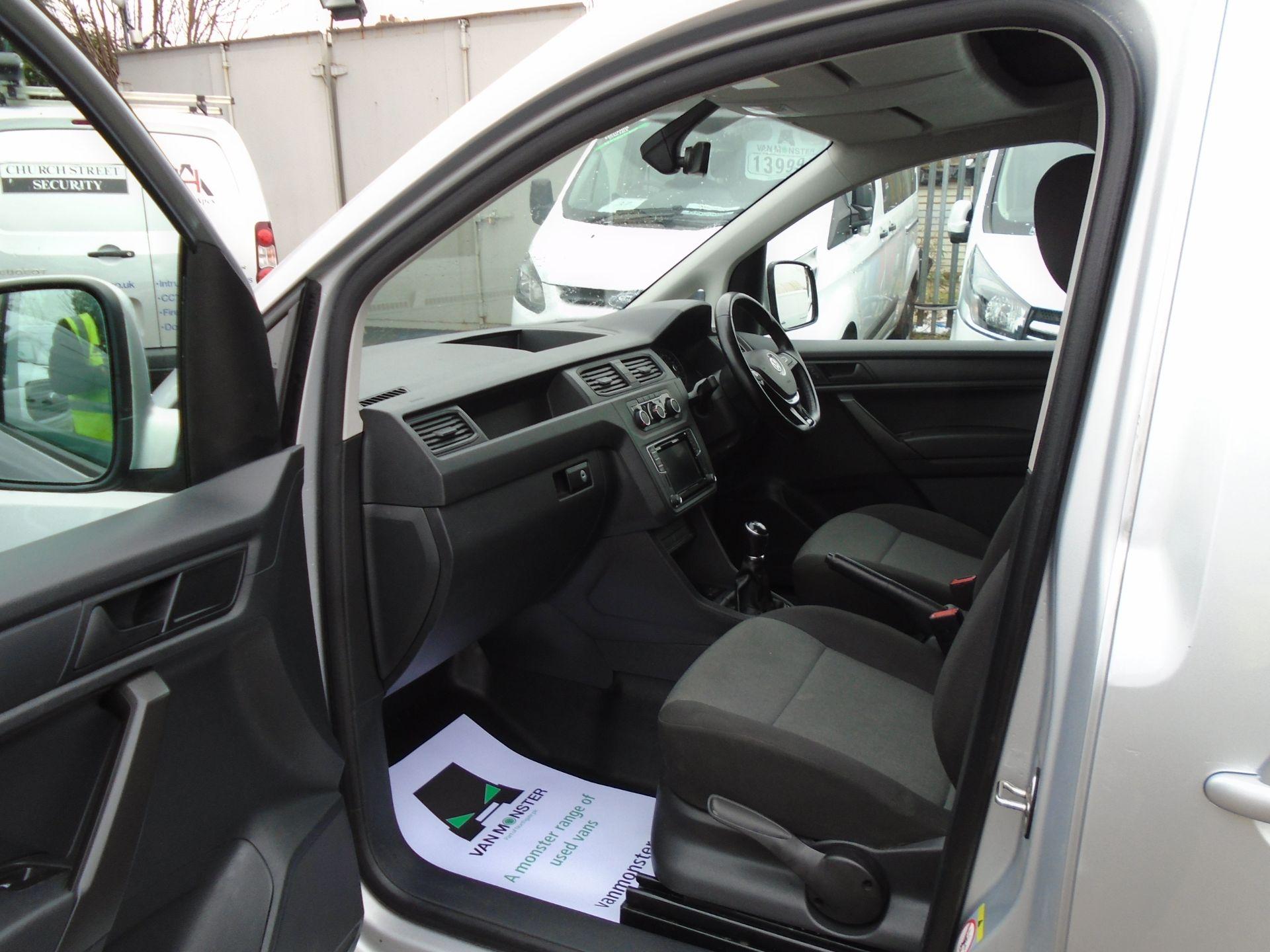 2017 Volkswagen Caddy 2.0 Tdi Bluemotion Tech 102Ps Highline Van (GF67NLA) Image 15