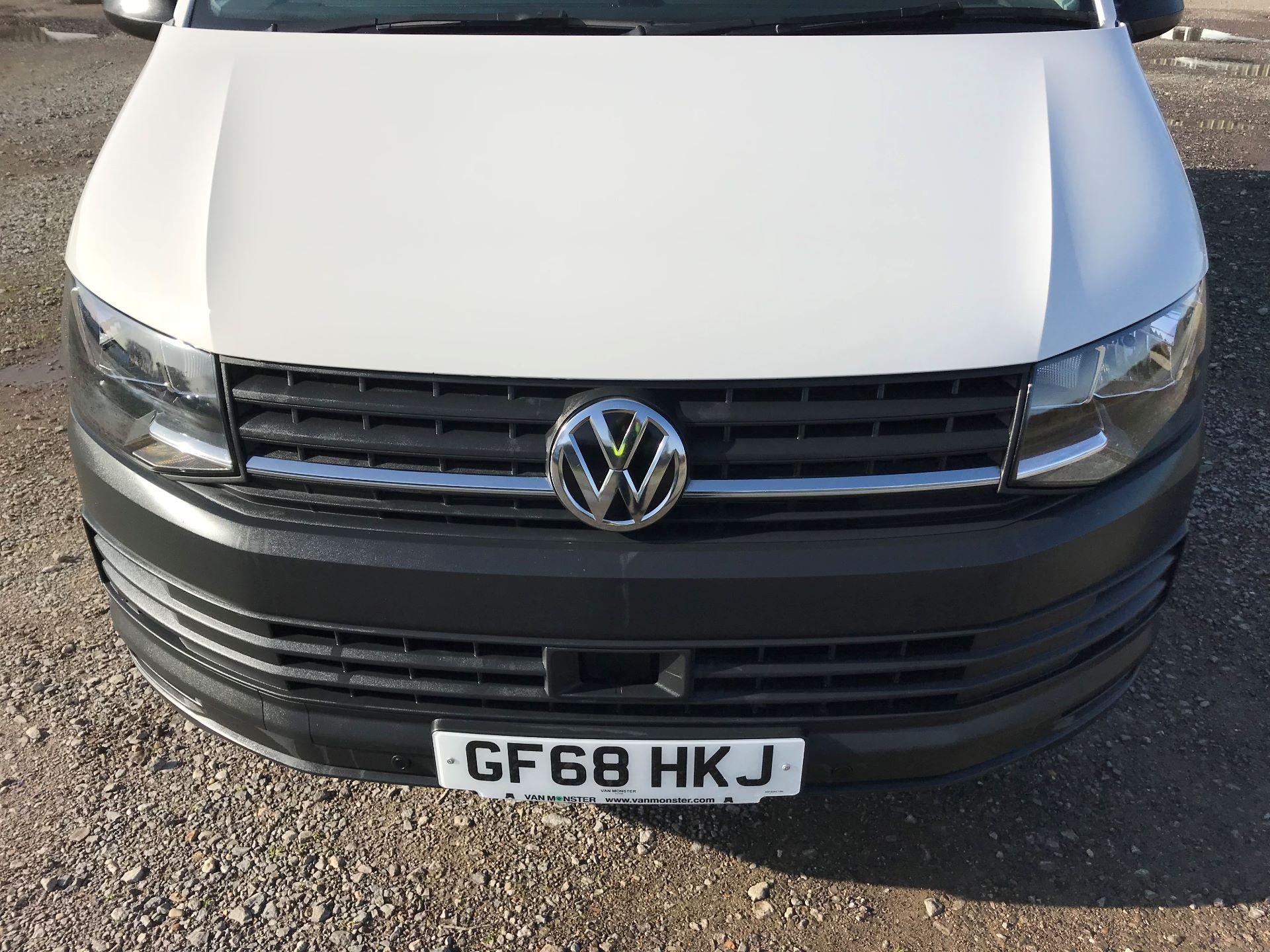 2018 Volkswagen Transporter  T30 LWB DIESEL 2.0 TDI BMT 102 Startline VAN EURO 6 (GF68HKJ) Image 14