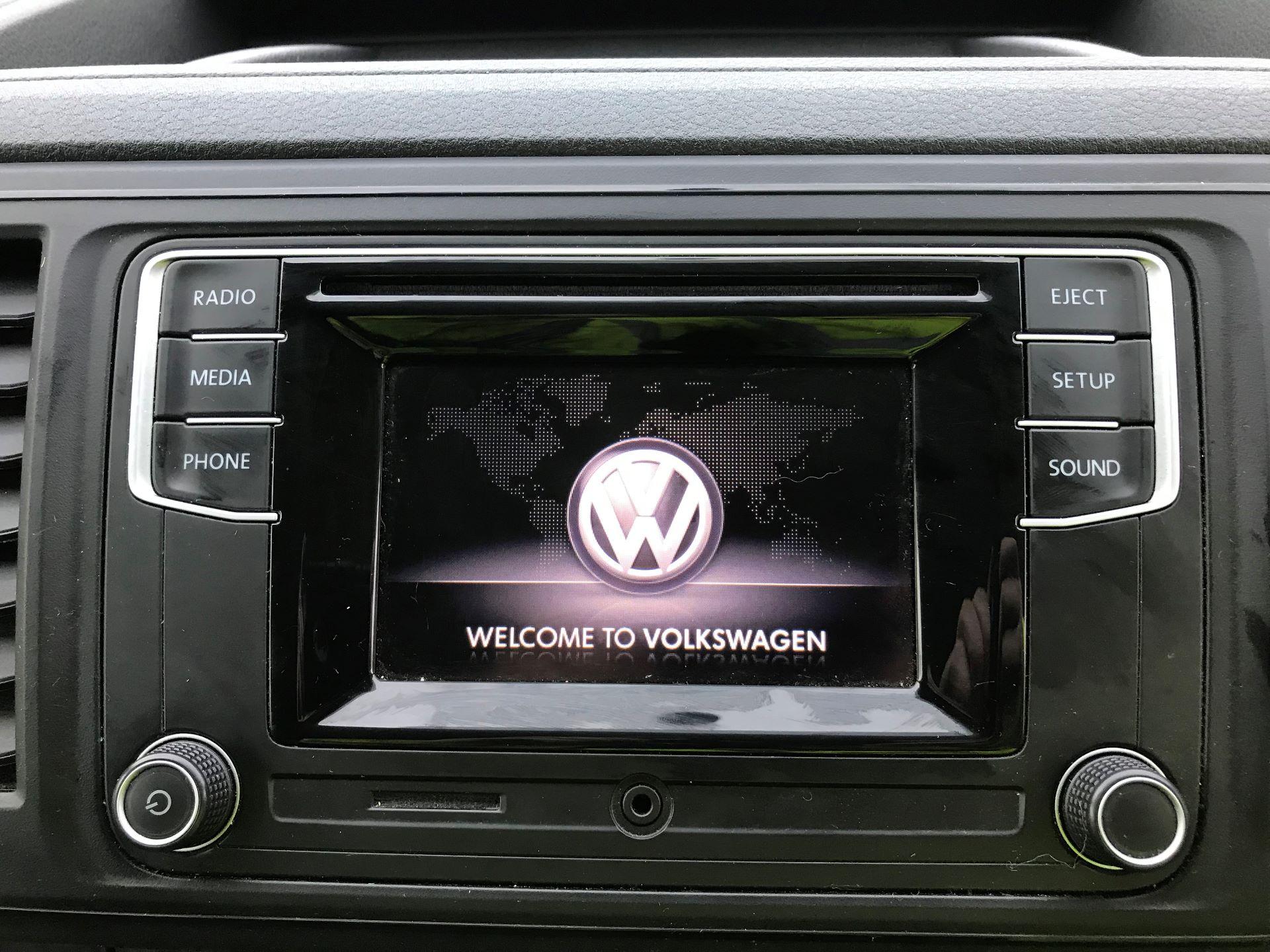 2018 Volkswagen Transporter T30 LWB 2.0 TDI BMT 102 STARTLINE VAN EURO 6 (GF68HKL) Image 18