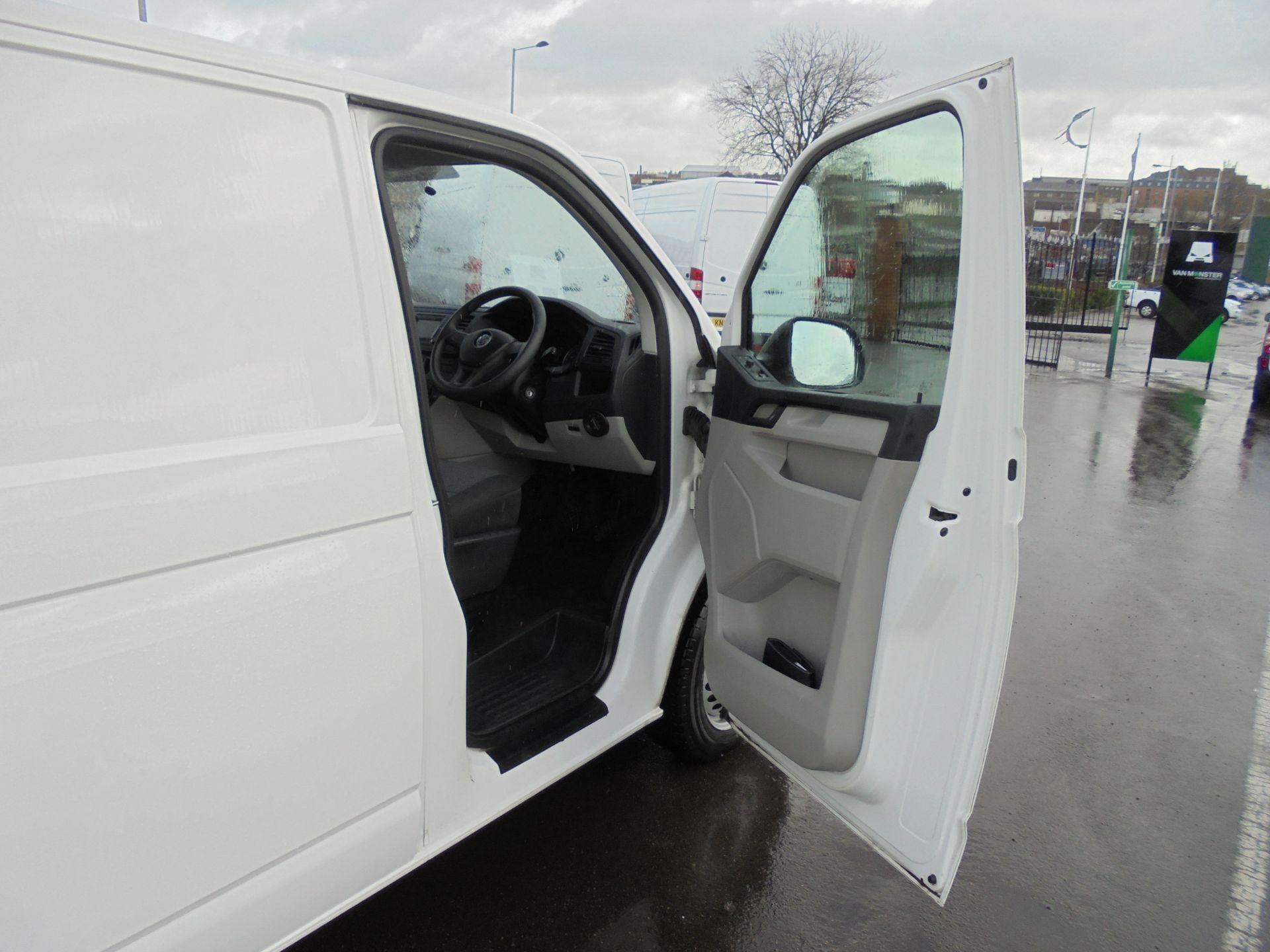 2018 Volkswagen Transporter 2.0 Tdi Bmt 102 Startline Van Euro 6 (GF68HKX) Image 9