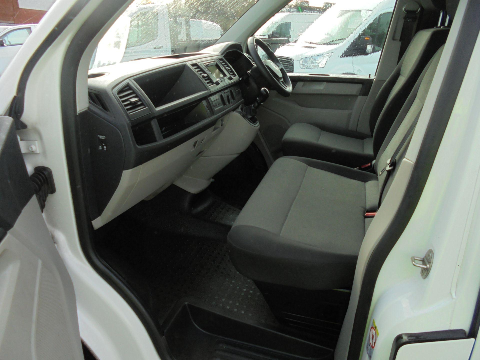 2018 Volkswagen Transporter 2.0 Tdi Bmt 102 Startline Van Euro 6 (GF68HKX) Image 24