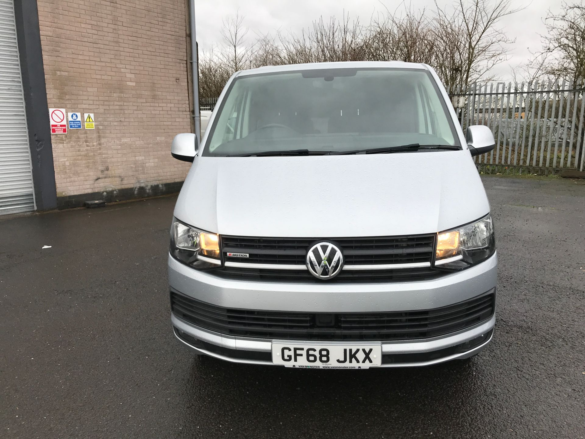 2018 Volkswagen Transporter T32 T6 SWB 150PS HIGHLINE 4MOTION EURO 6 (GF68JKX) Thumbnail 14