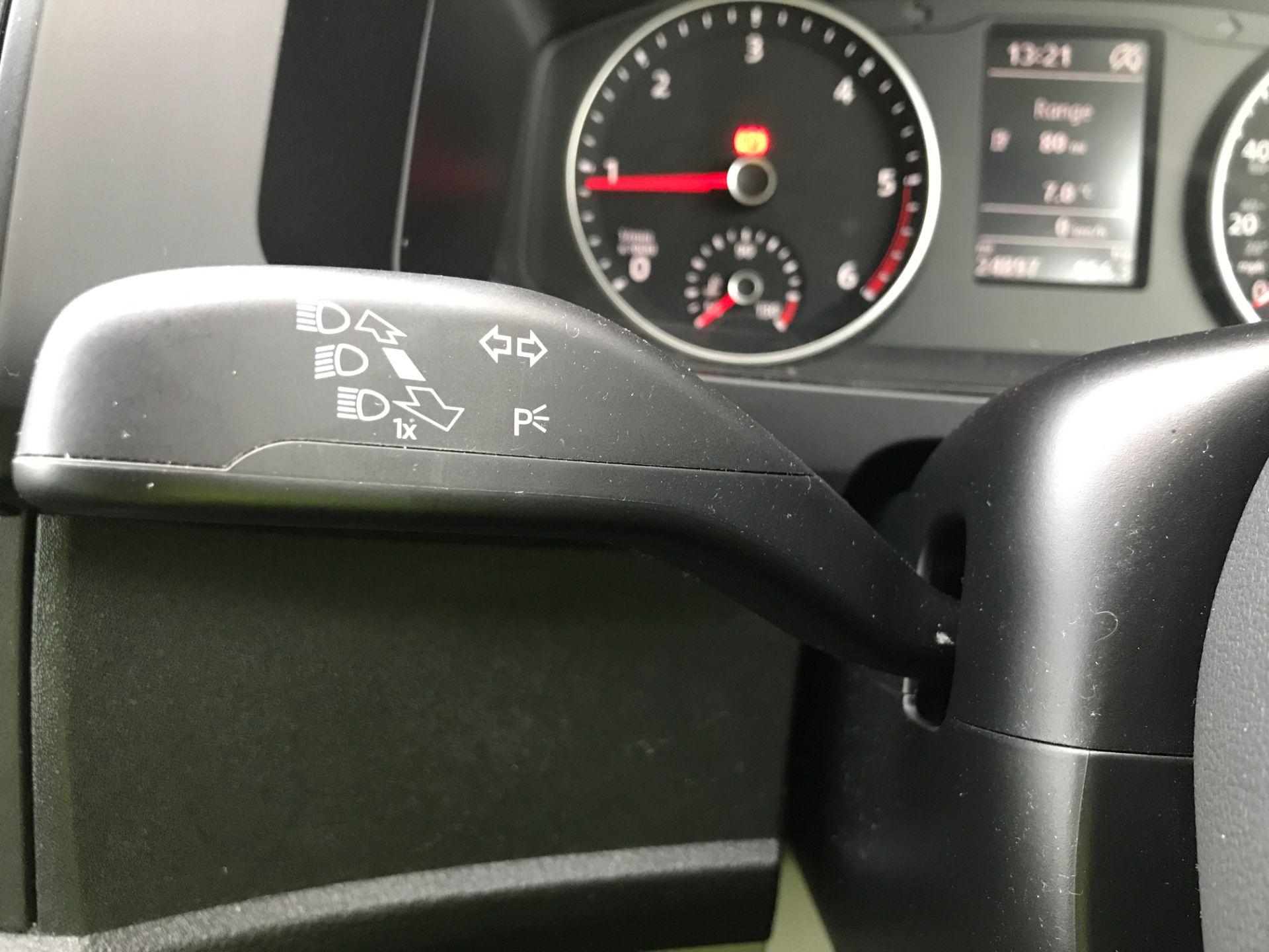 2018 Volkswagen Transporter T30 T6 LWB 2.0TDI BMT 102PS STARTLINE EURO 6 (GF68NGN) Image 26