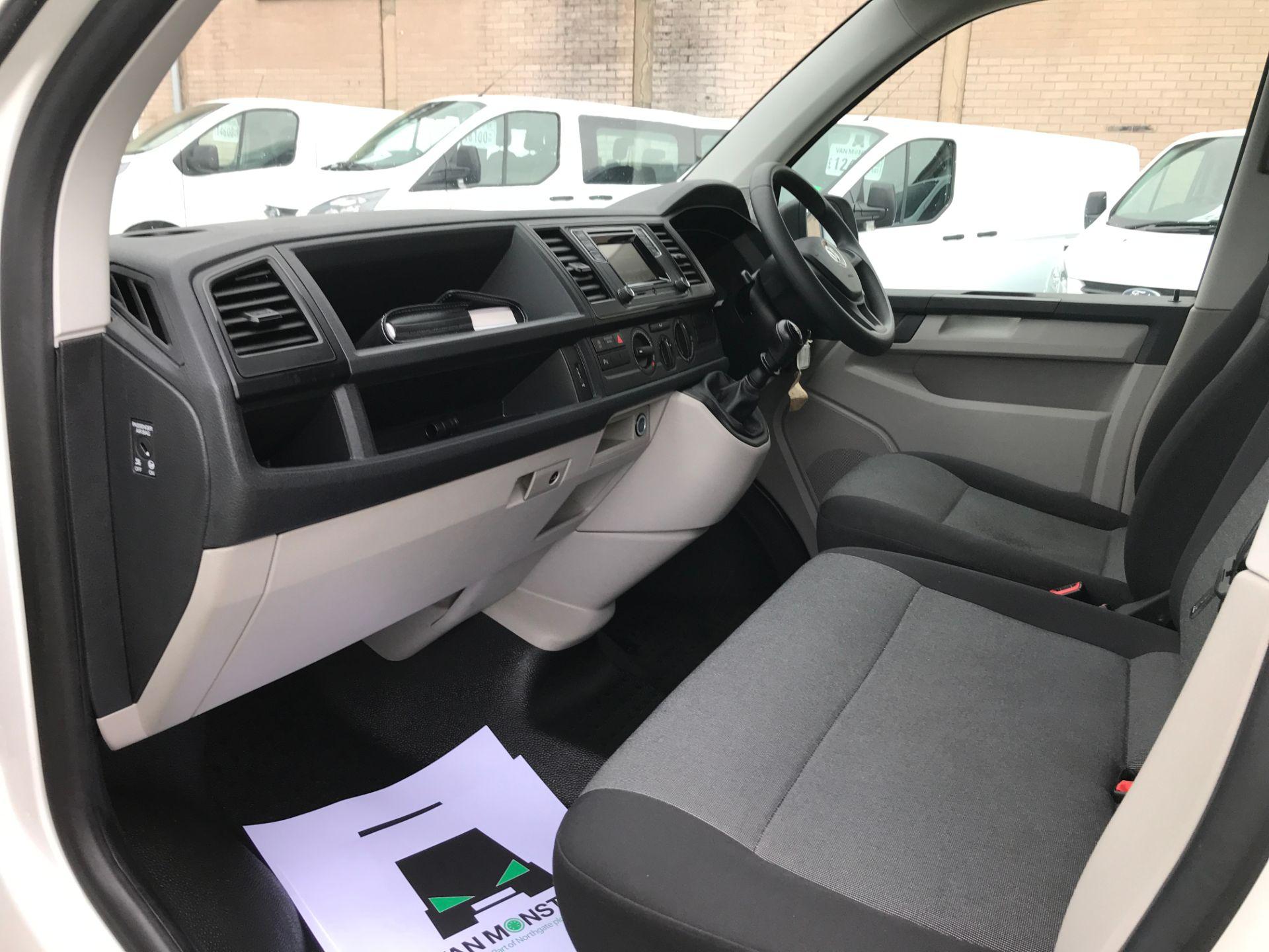 2018 Volkswagen Transporter T30 T6 LWB 2.0TDI BMT 102PS STARTLINE EURO 6 (GF68NGN) Image 12
