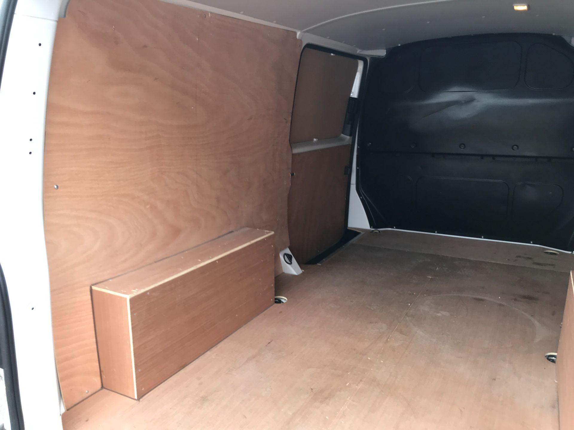 2018 Volkswagen Transporter T30 T6 LWB 2.0TDI BMT 102PS STARTLINE EURO 6 (GF68NGV) Image 12