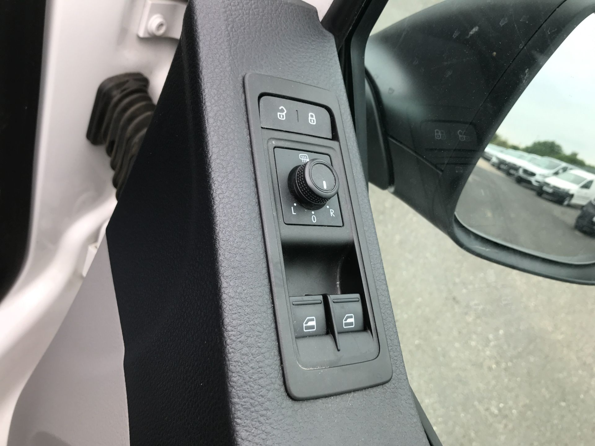 2018 Volkswagen Transporter T30 T6 LWB 2.0TDI BMT 102PS STARTLINE EURO 6 (GF68NGV) Image 16