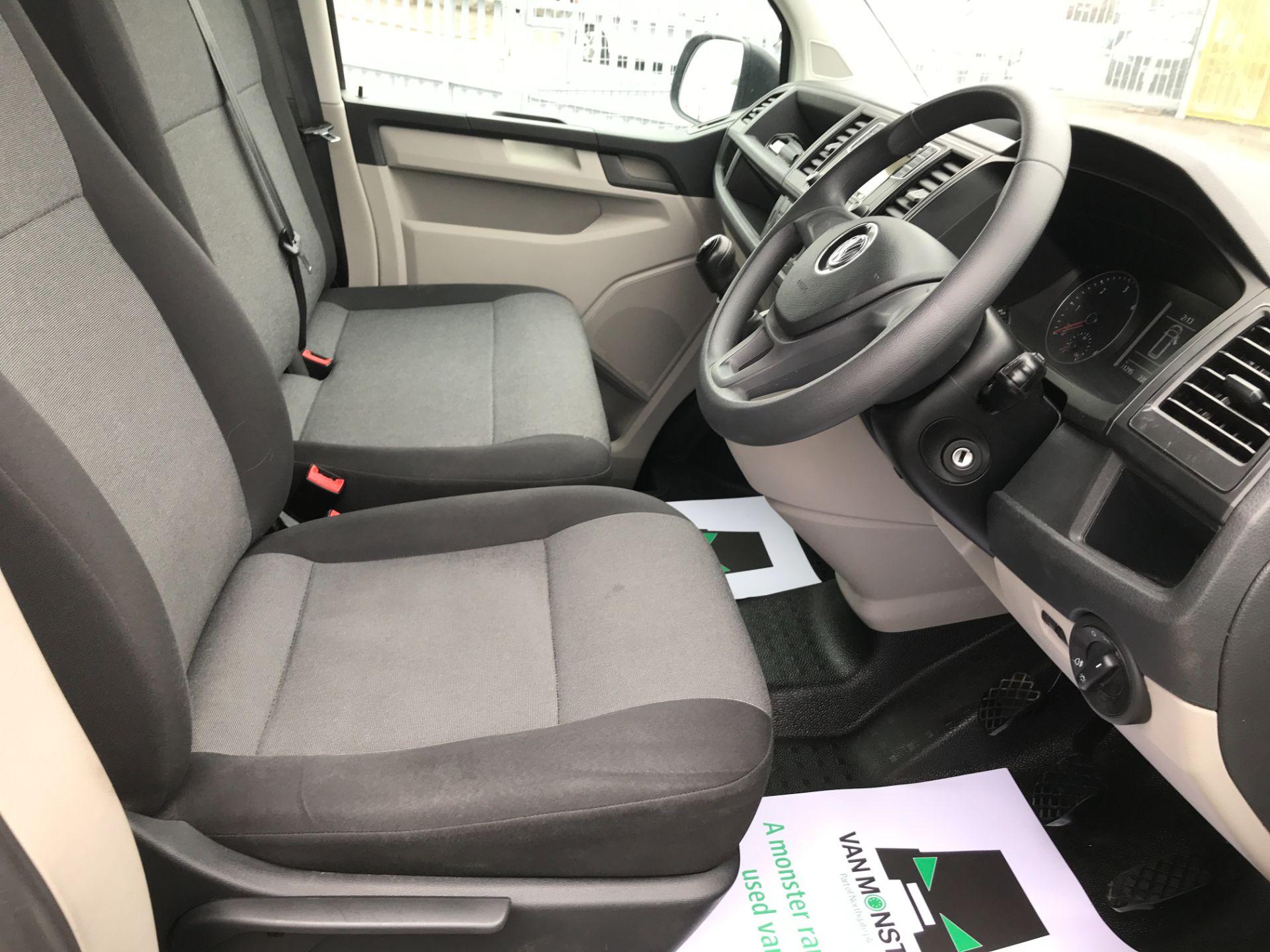 2018 Volkswagen Transporter T30 T6 LWB 2.0TDI BMT 102PS STARTLINE EURO 6 (GF68NGV) Image 17